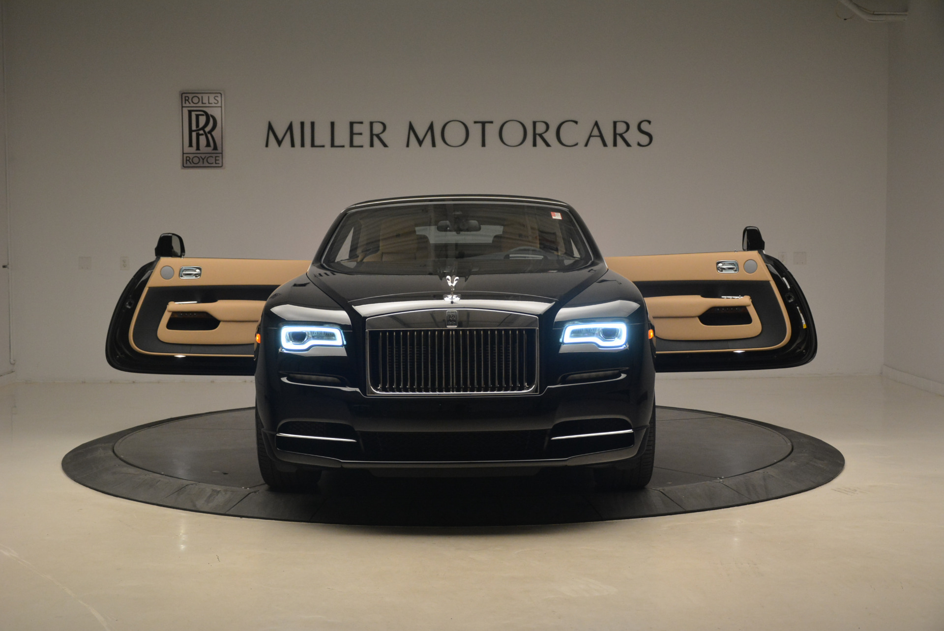 Used 2018 Rolls-Royce Dawn  For Sale In Greenwich, CT 2105_p19