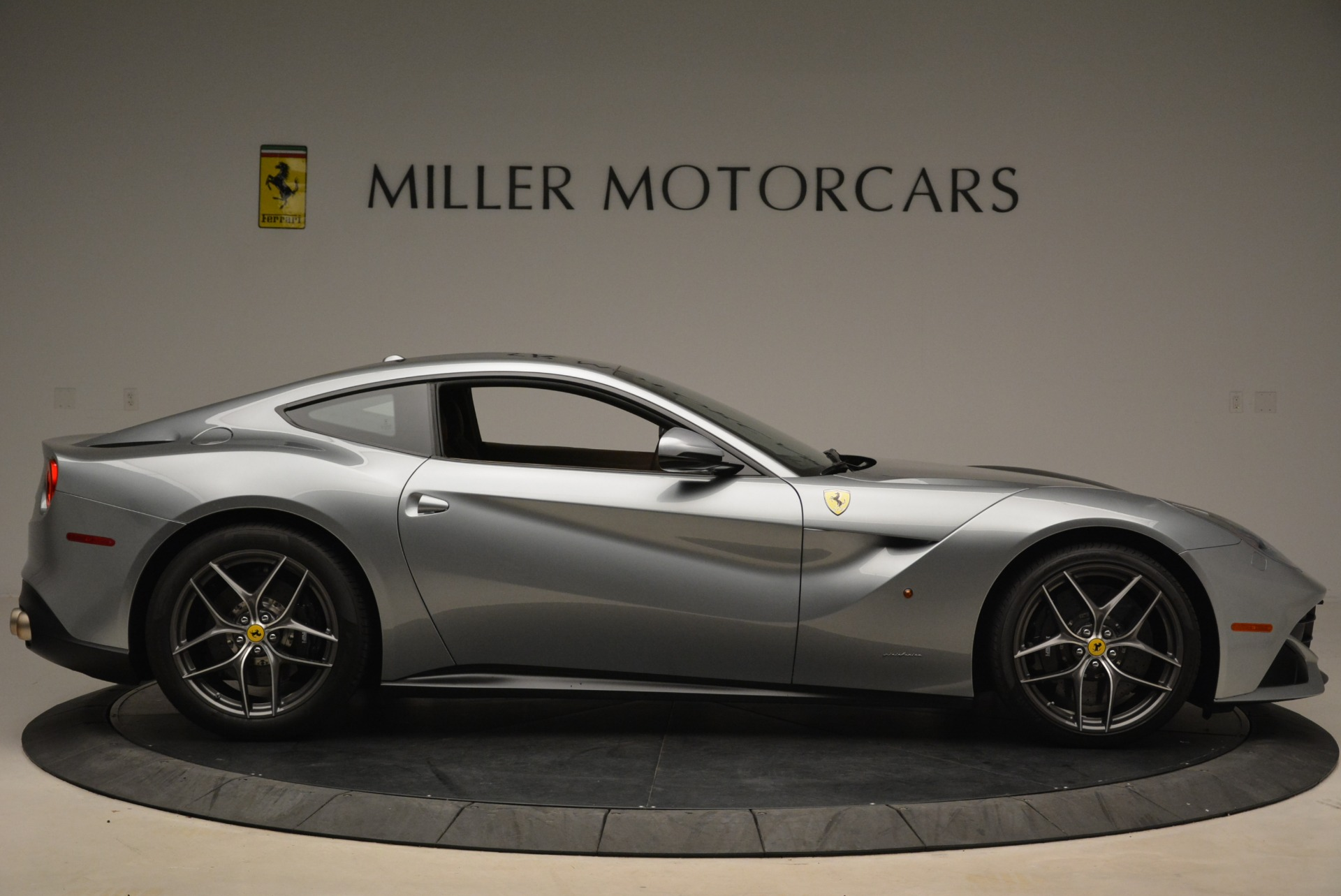 Used 2017 Ferrari F12 Berlinetta  For Sale In Greenwich, CT 2111_p9
