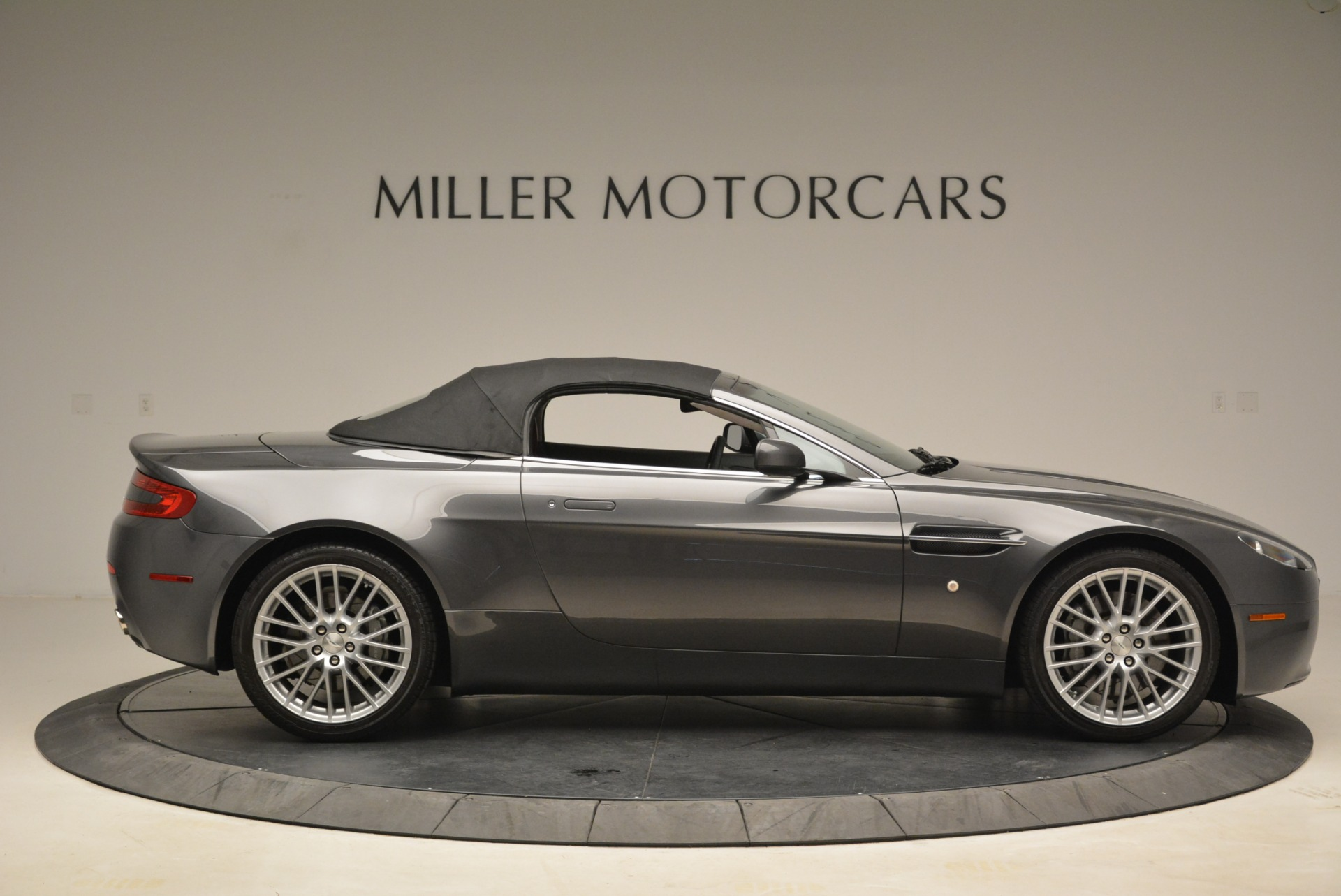 Used 2009 Aston Martin V8 Vantage Roadster For Sale In Greenwich, CT 2123_p21