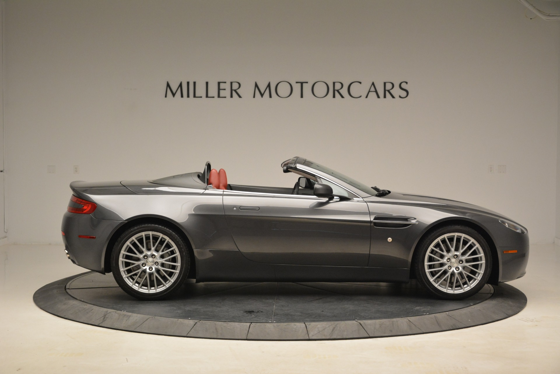 Used 2009 Aston Martin V8 Vantage Roadster For Sale In Greenwich, CT 2123_p9