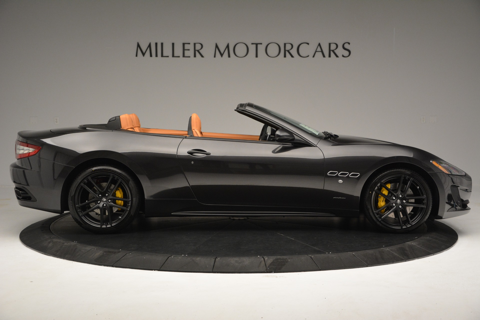 Used 2015 Maserati GranTurismo Sport Convertible For Sale In Greenwich, CT 2129_p10