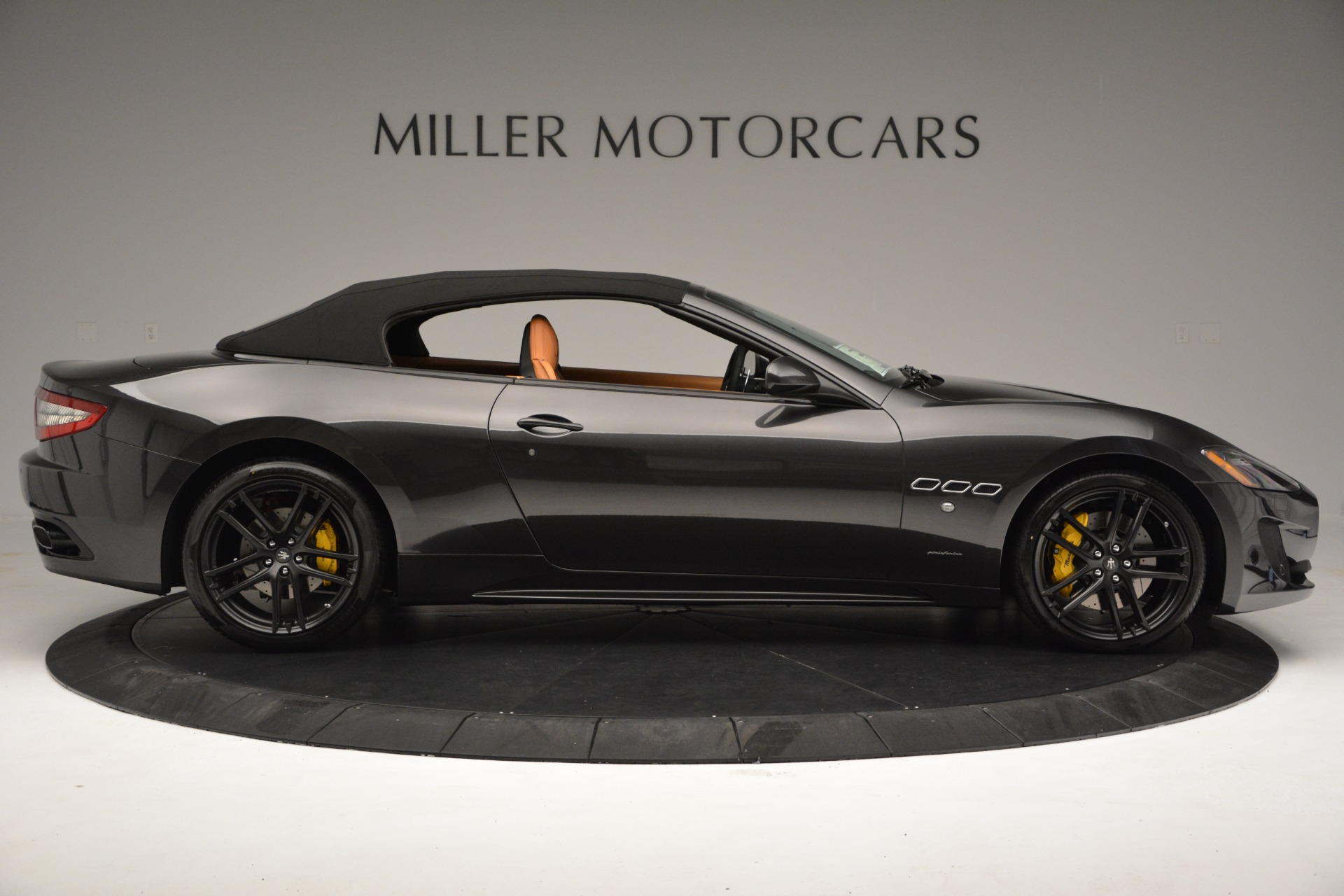 Used 2015 Maserati GranTurismo Sport Convertible For Sale In Greenwich, CT 2129_p17