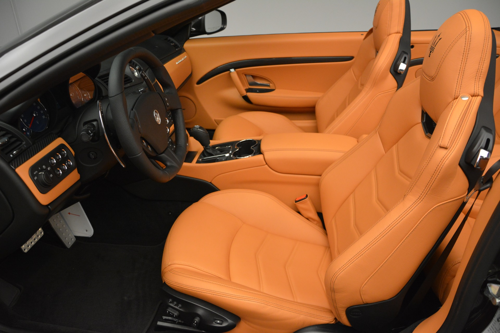 Used 2015 Maserati GranTurismo Sport Convertible For Sale In Greenwich, CT 2129_p20