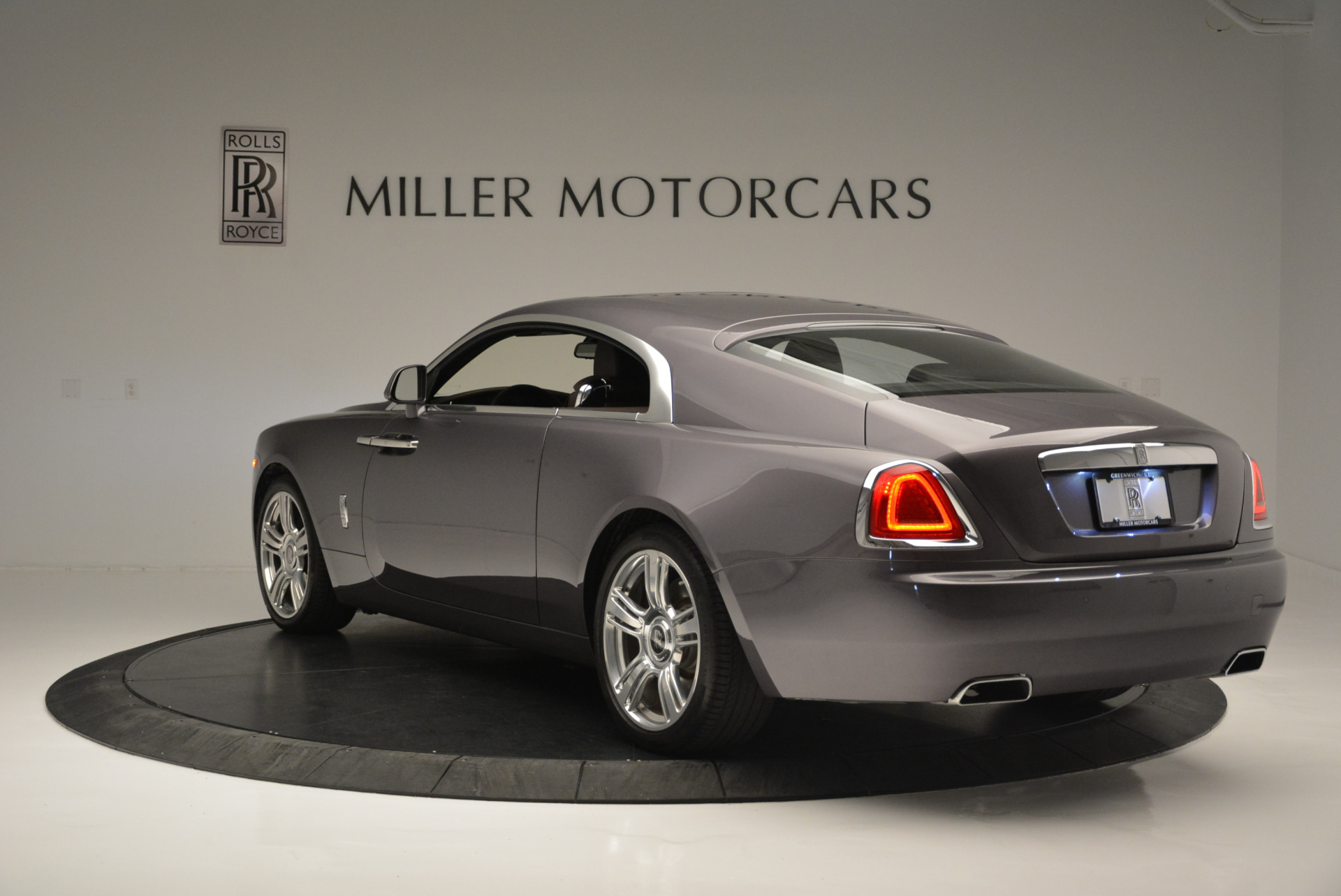 Used 2016 Rolls-Royce Wraith  For Sale In Greenwich, CT 214_p5