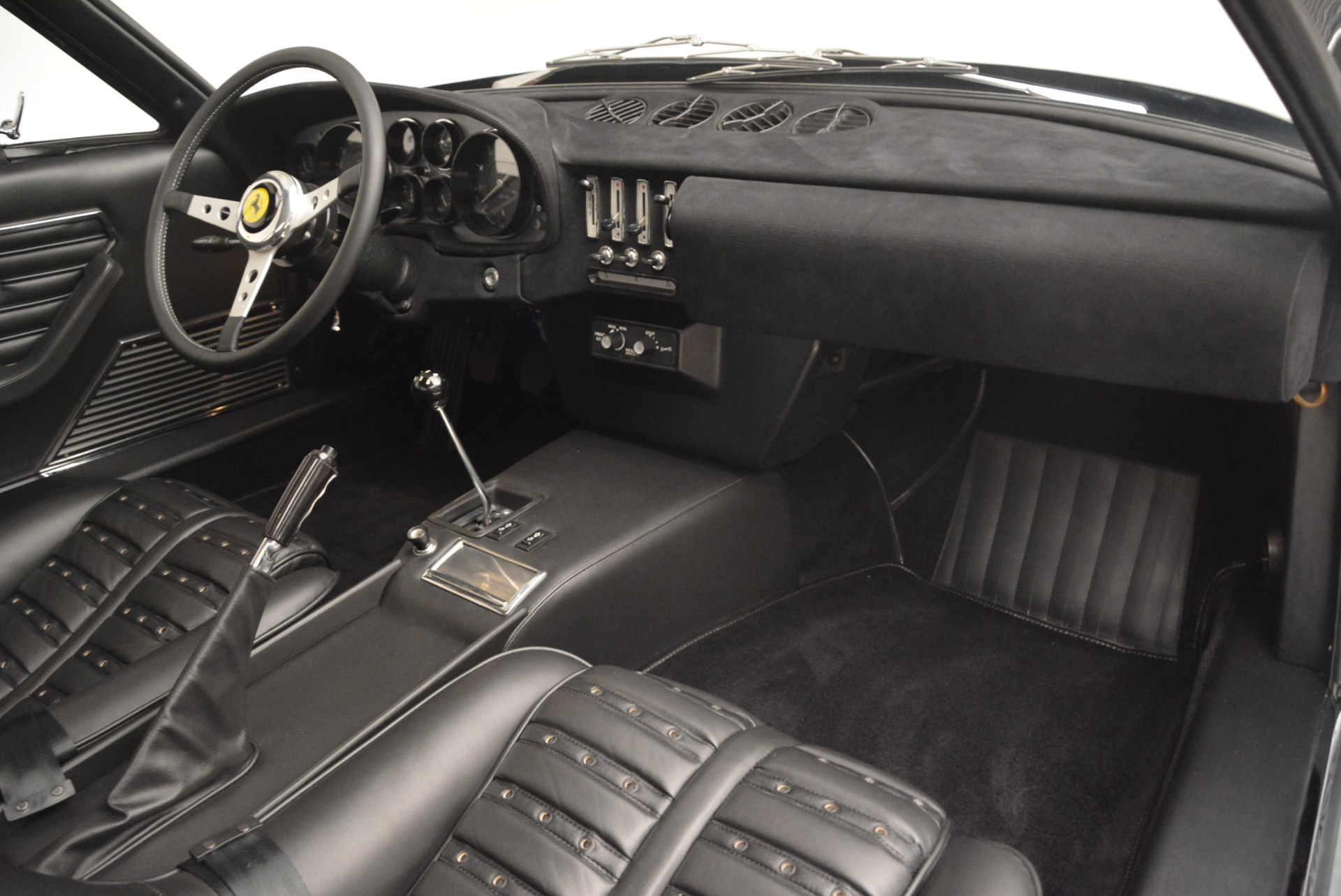 Used 1971 Ferrari 365 GTB/4 Daytona For Sale In Greenwich, CT 2146_p13