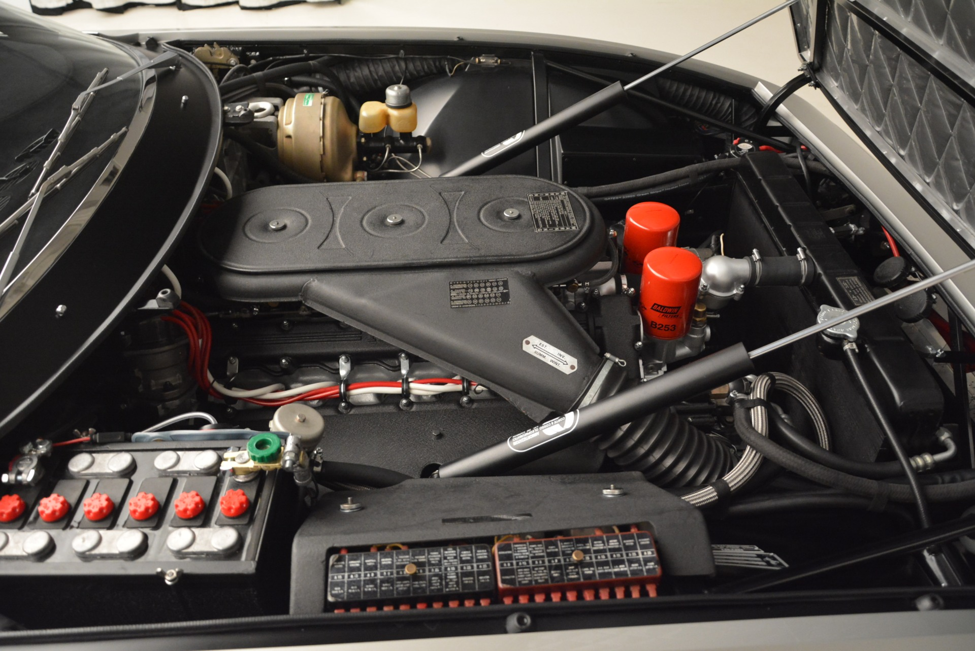 Used 1971 Ferrari 365 GTB/4 Daytona For Sale In Greenwich, CT 2146_p21