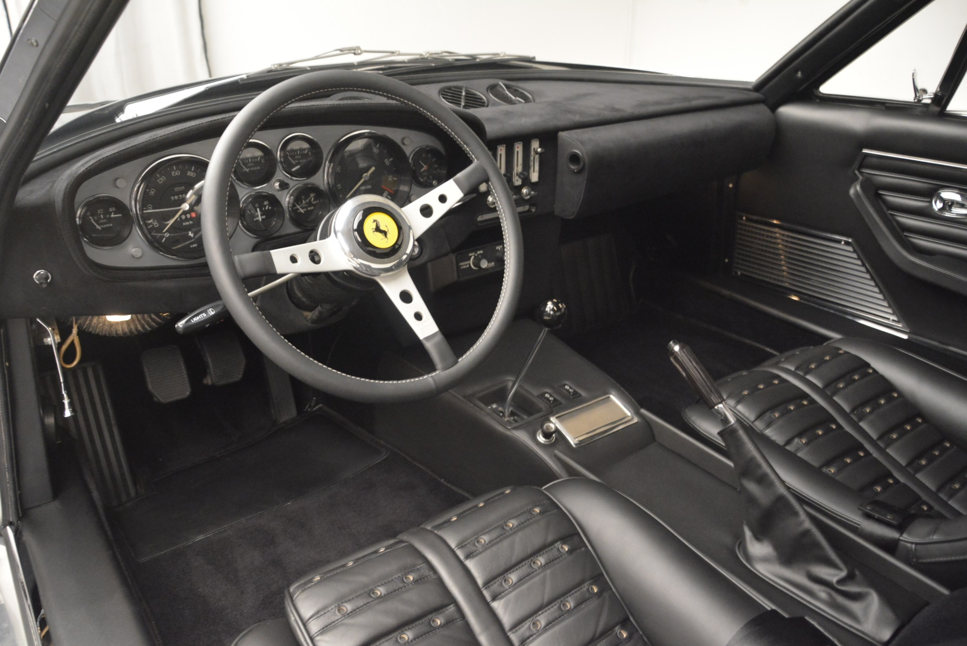 Used 1971 Ferrari 365 GTB/4 Daytona For Sale In Greenwich, CT 2146_p9