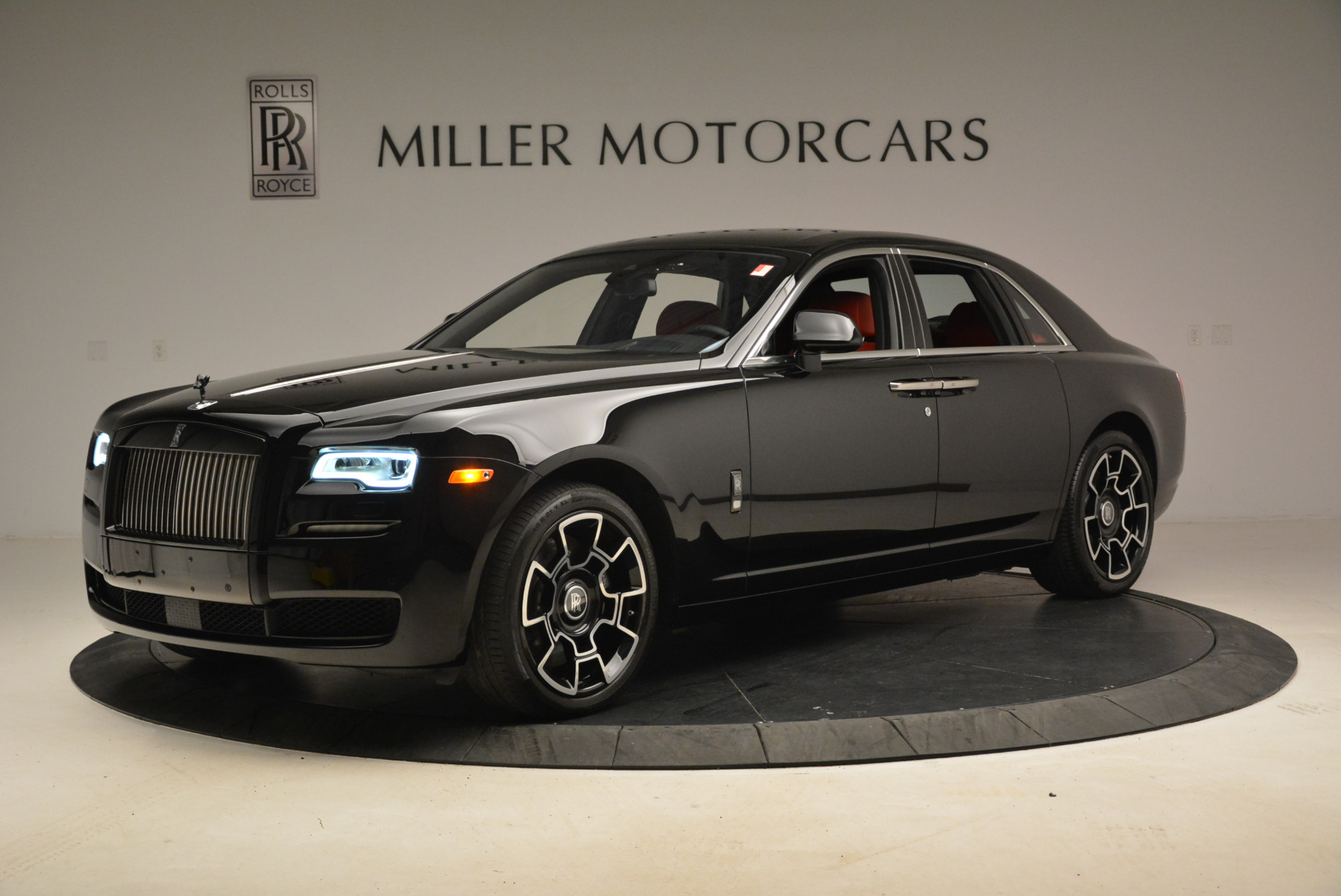 Used 2017 Rolls-Royce Ghost Black Badge For Sale In Greenwich, CT 2154_main