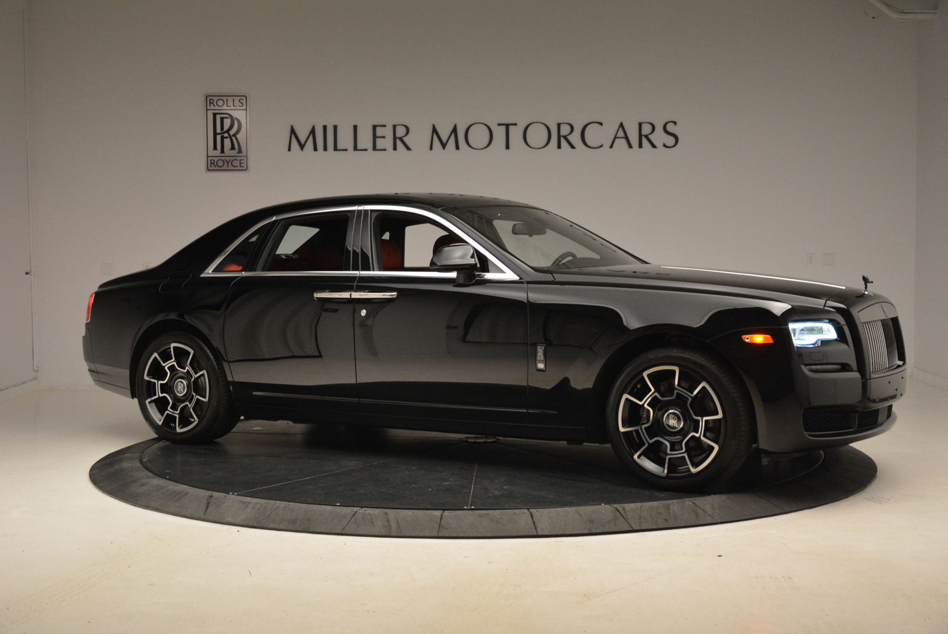 Used 2017 Rolls-Royce Ghost Black Badge For Sale In Greenwich, CT 2154_p10