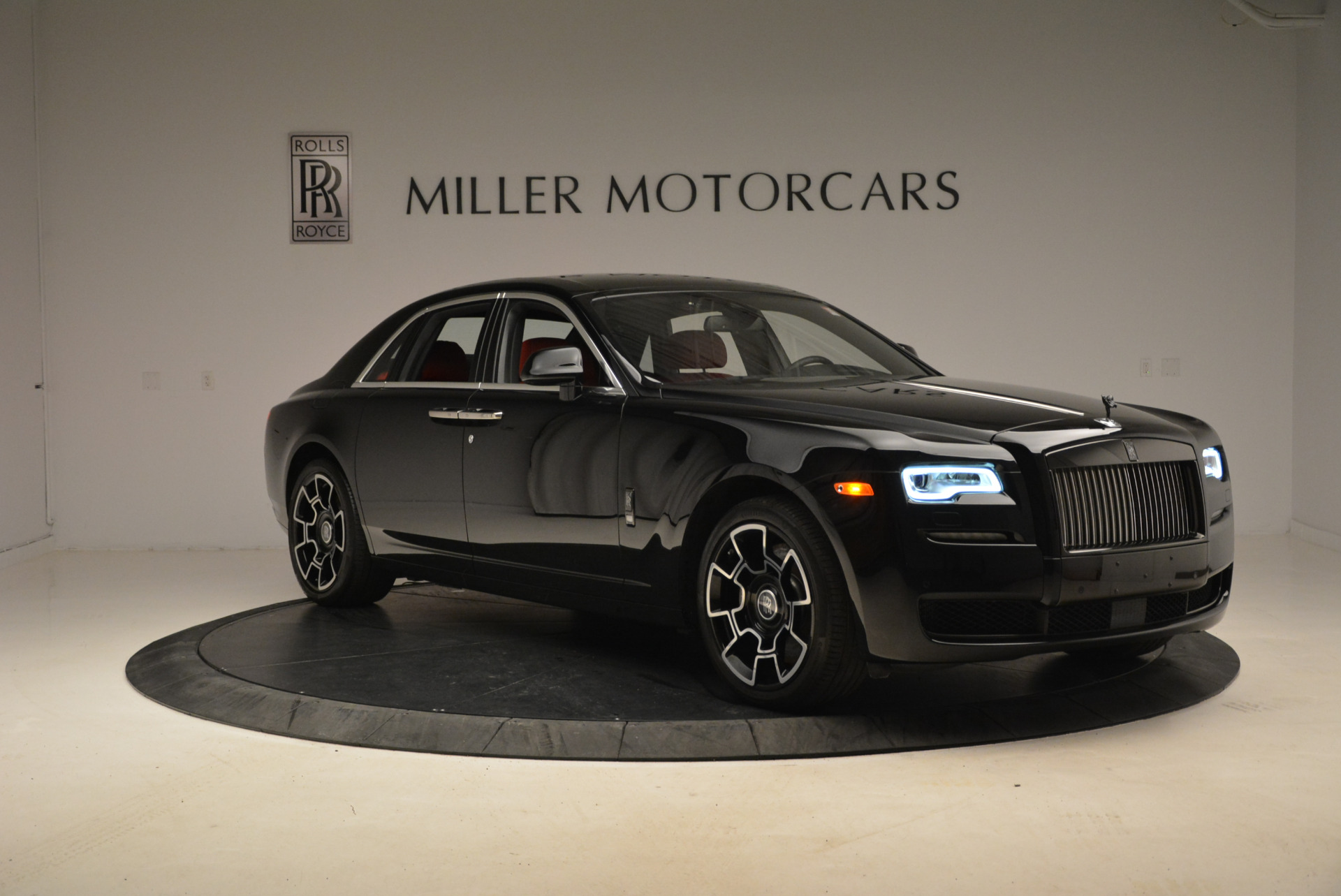Used 2017 Rolls-Royce Ghost Black Badge For Sale In Greenwich, CT 2154_p11