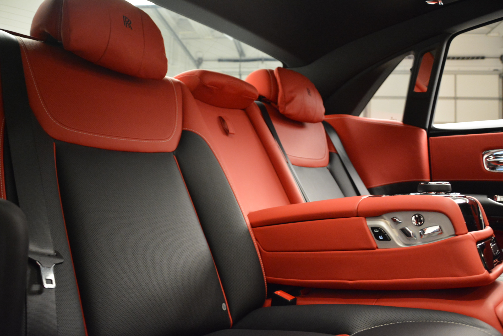 Used 2017 Rolls-Royce Ghost Black Badge For Sale In Greenwich, CT 2154_p31