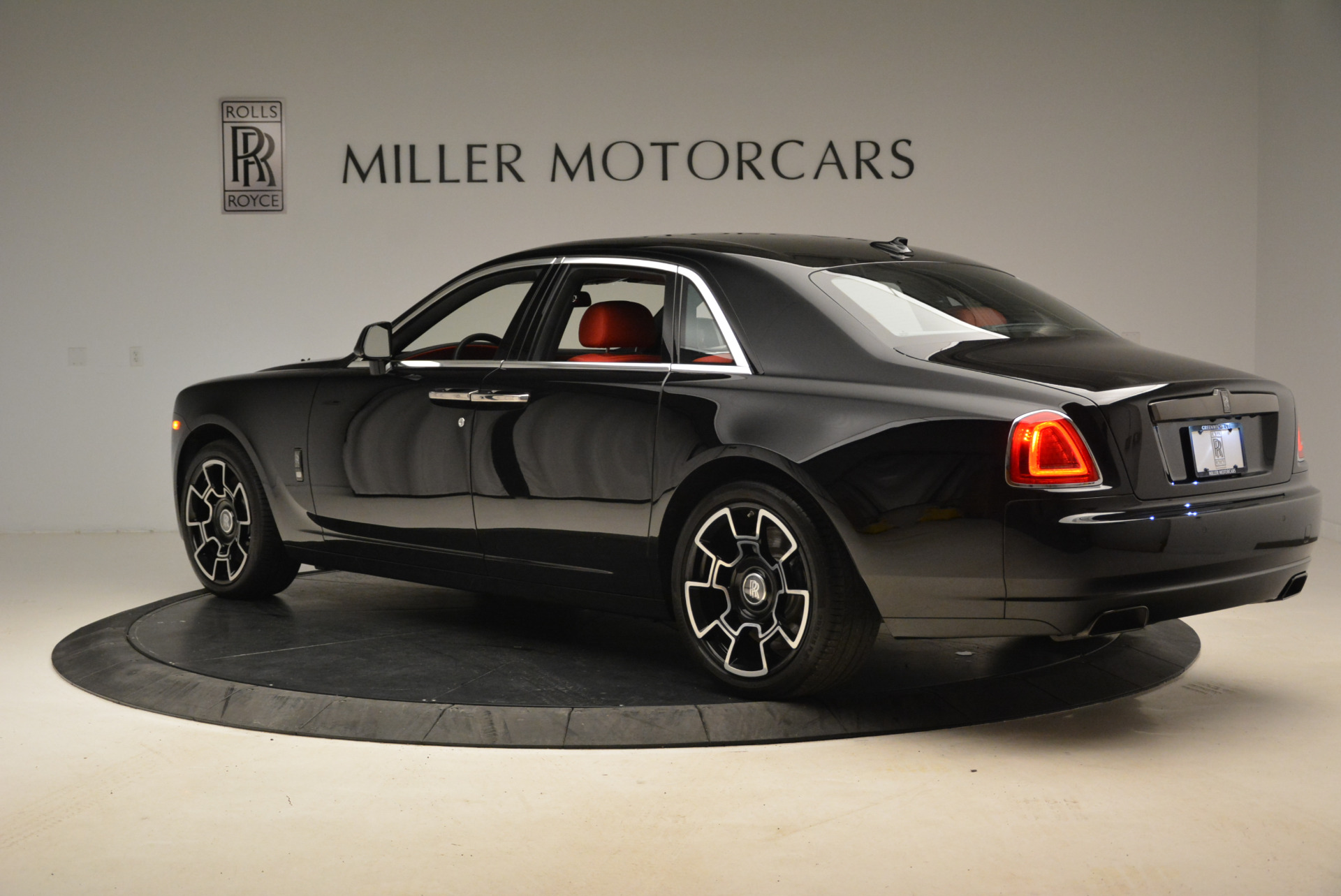 Used 2017 Rolls-Royce Ghost Black Badge For Sale In Greenwich, CT 2154_p5