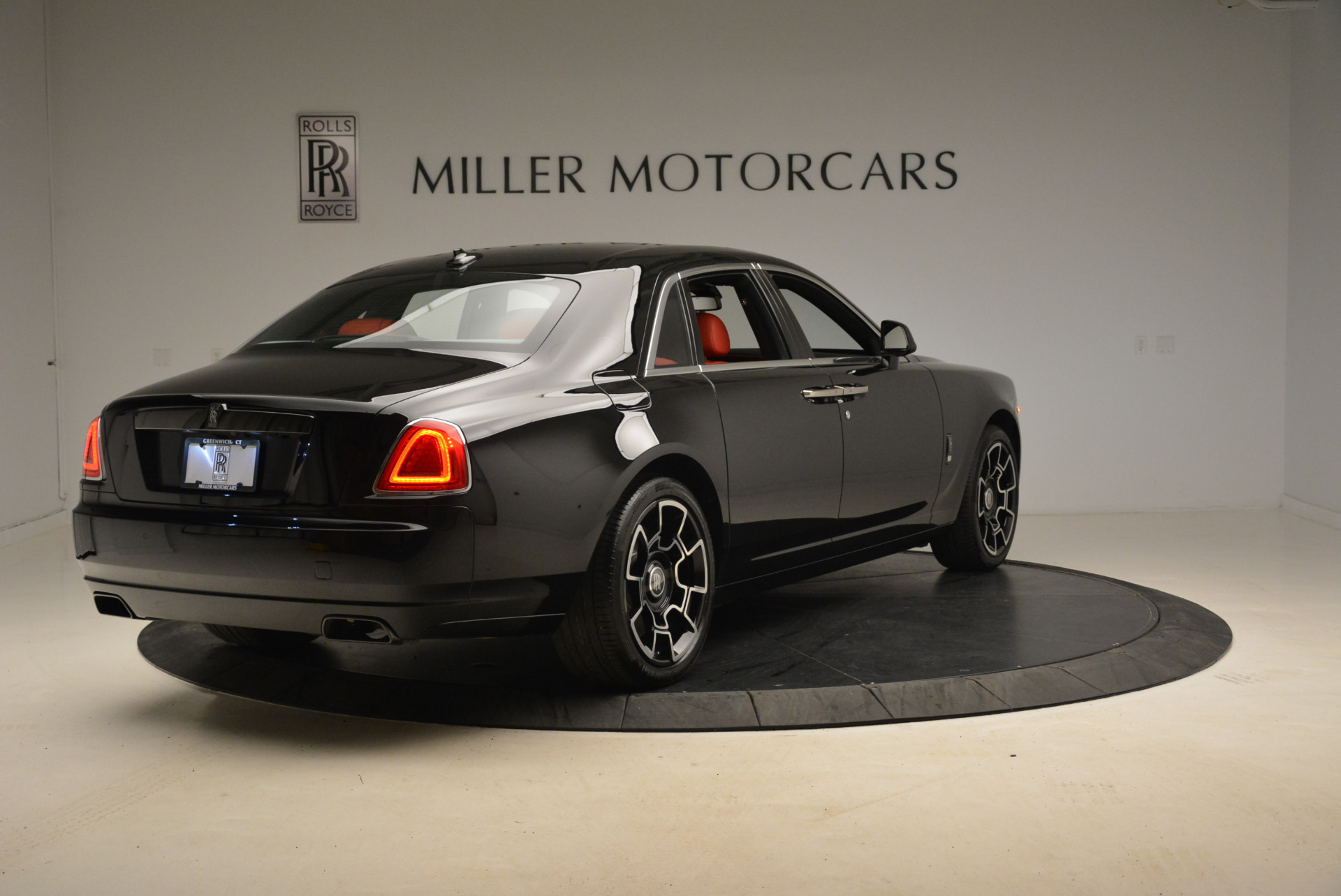 Used 2017 Rolls-Royce Ghost Black Badge For Sale In Greenwich, CT 2154_p7