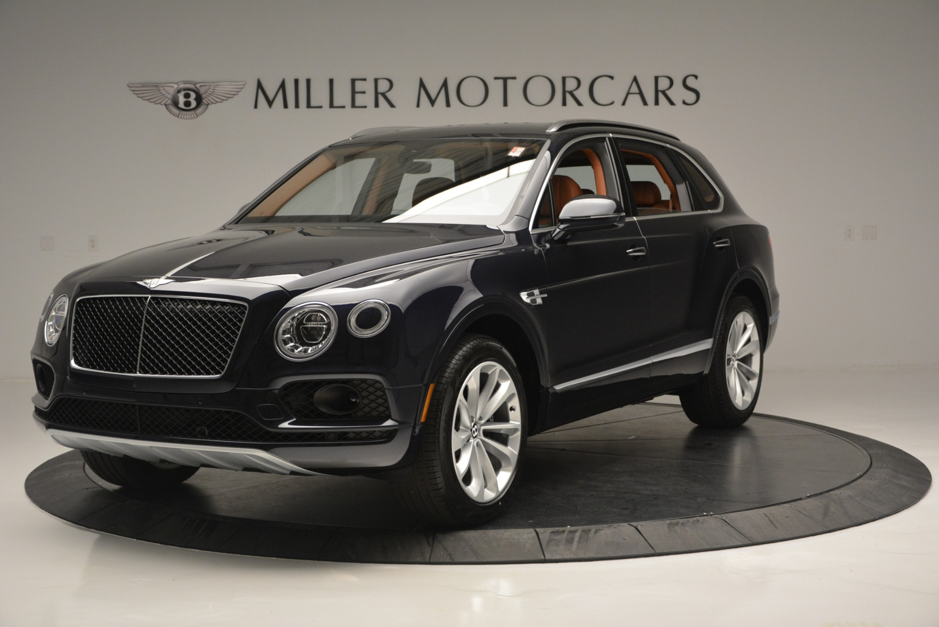 New 2019 Bentley Bentayga V8 For Sale In Greenwich, CT 2163_main