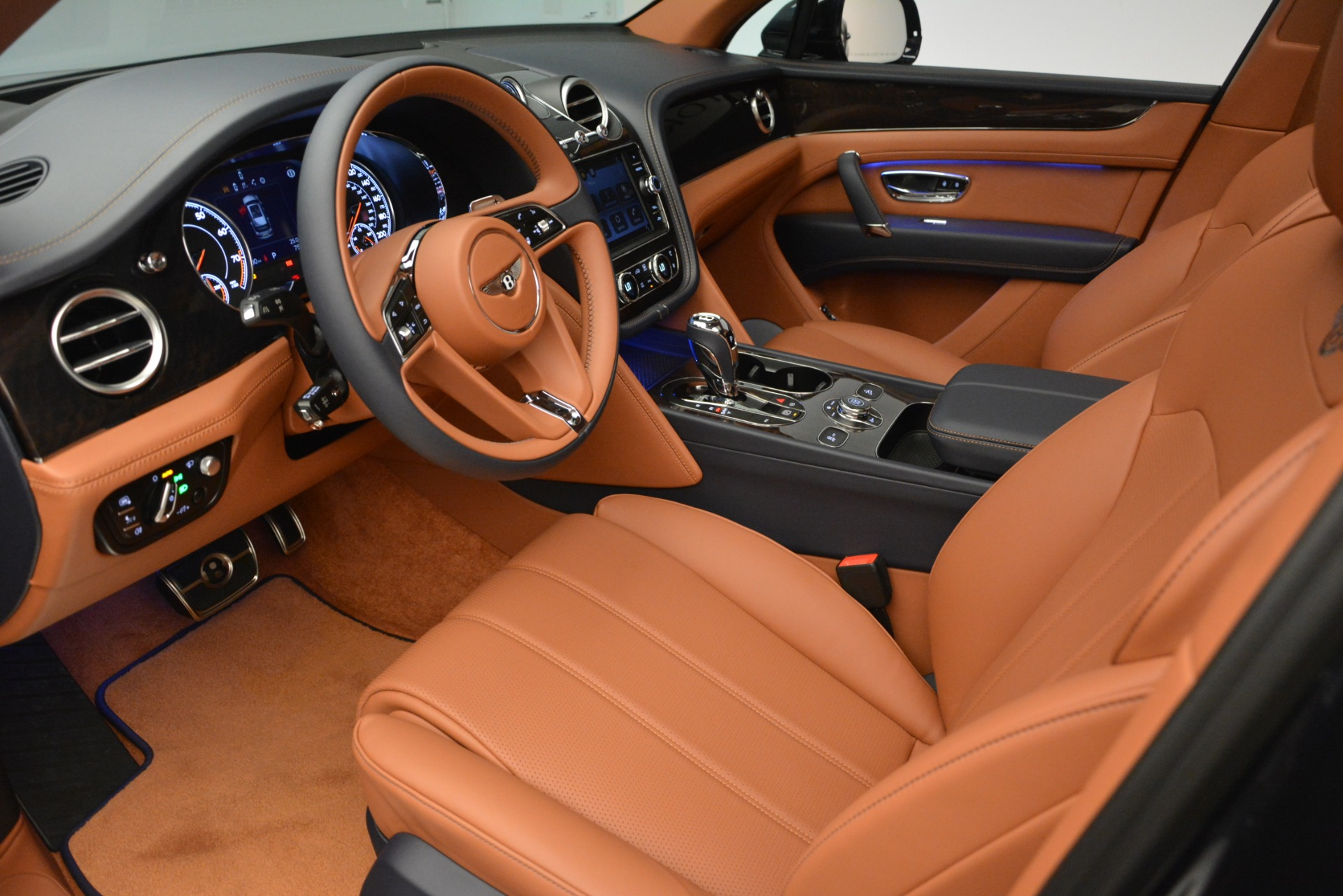 New 2019 Bentley Bentayga V8 For Sale In Greenwich, CT 2163_p17