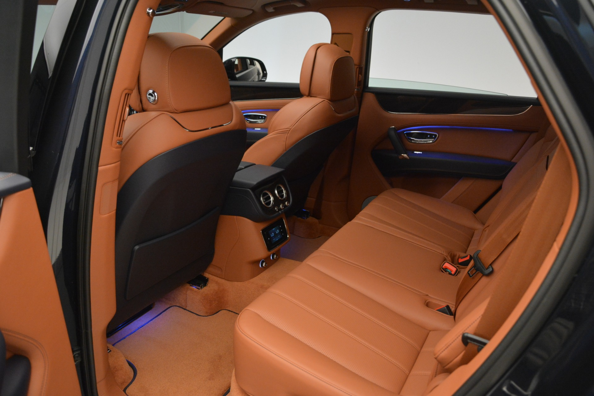 New 2019 Bentley Bentayga V8 For Sale In Greenwich, CT 2163_p21