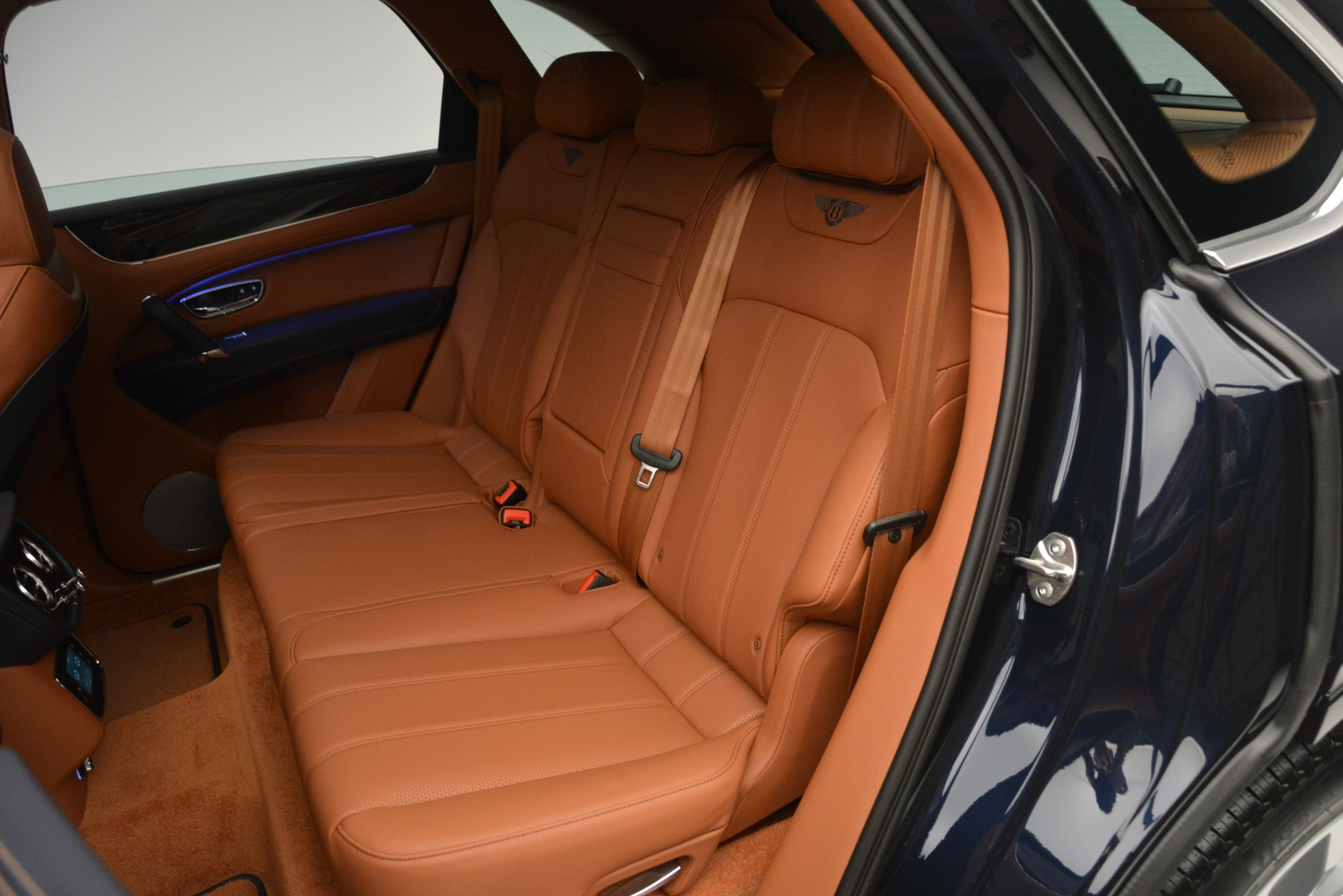 New 2019 Bentley Bentayga V8 For Sale In Greenwich, CT 2163_p22