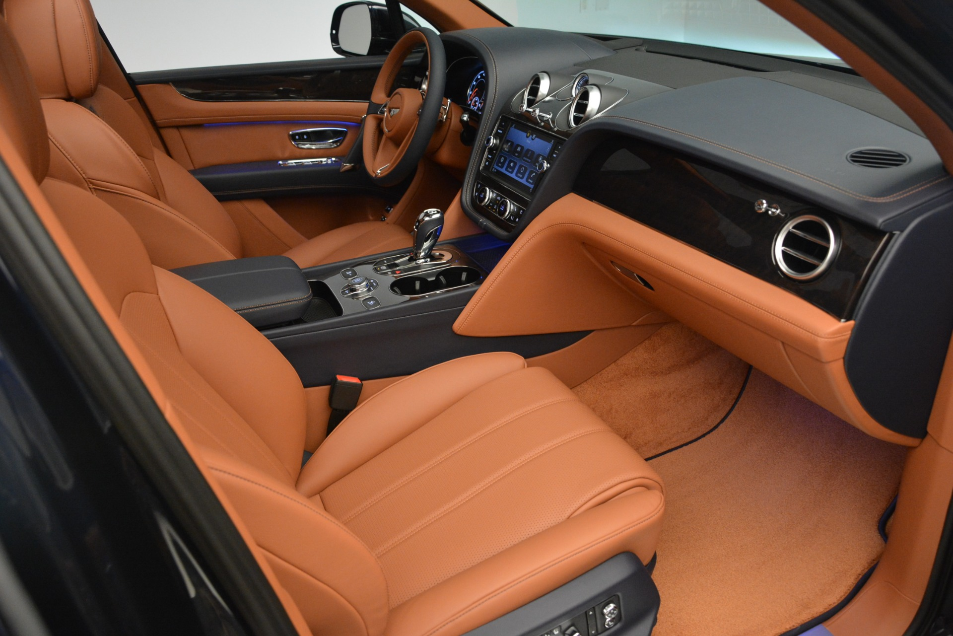 New 2019 Bentley Bentayga V8 For Sale In Greenwich, CT 2163_p23