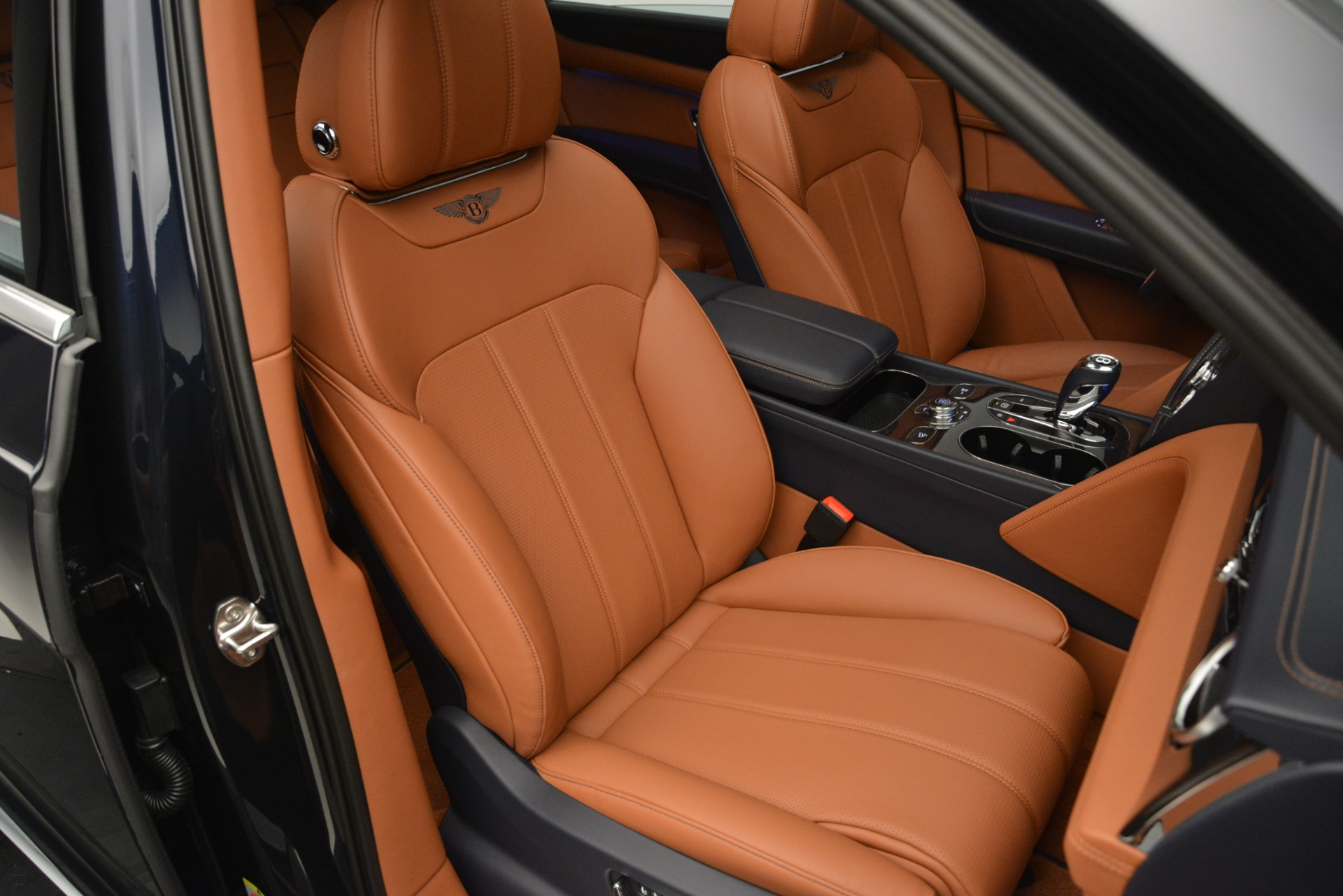 New 2019 Bentley Bentayga V8 For Sale In Greenwich, CT 2163_p25
