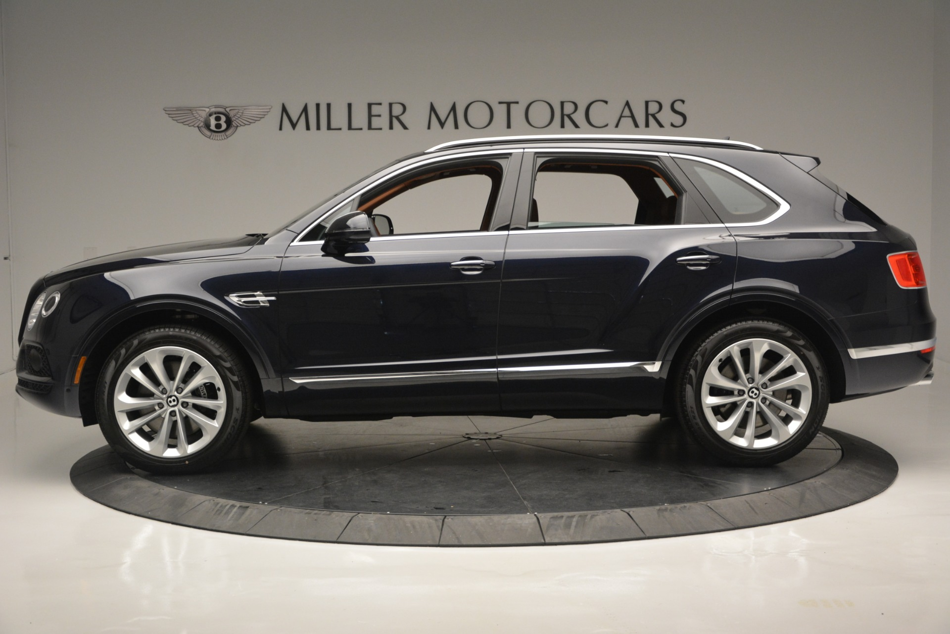 New 2019 Bentley Bentayga V8 For Sale In Greenwich, CT 2163_p3