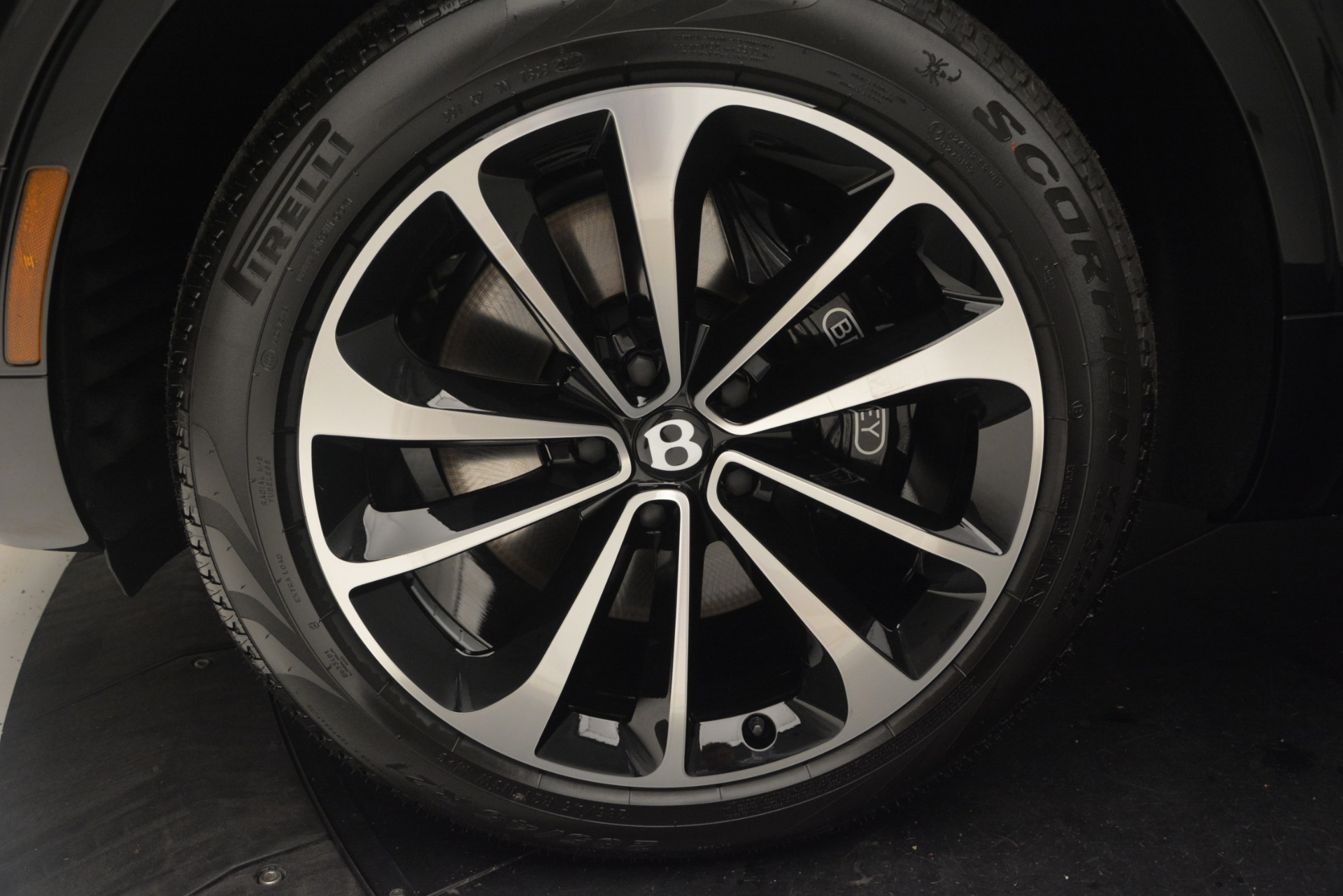 New 2019 Bentley Bentayga V8 For Sale In Greenwich, CT 2164_p15