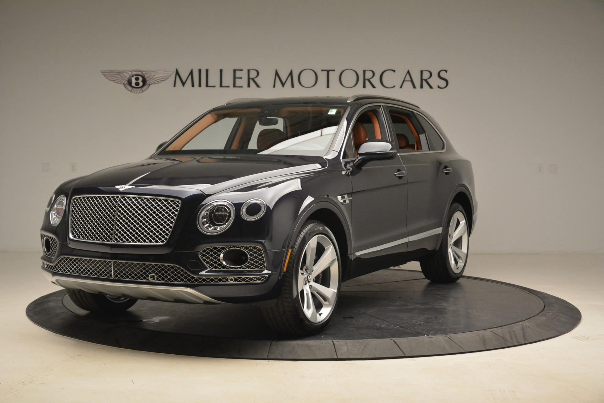 Used 2018 Bentley Bentayga W12 Signature For Sale In Greenwich, CT 2165_main
