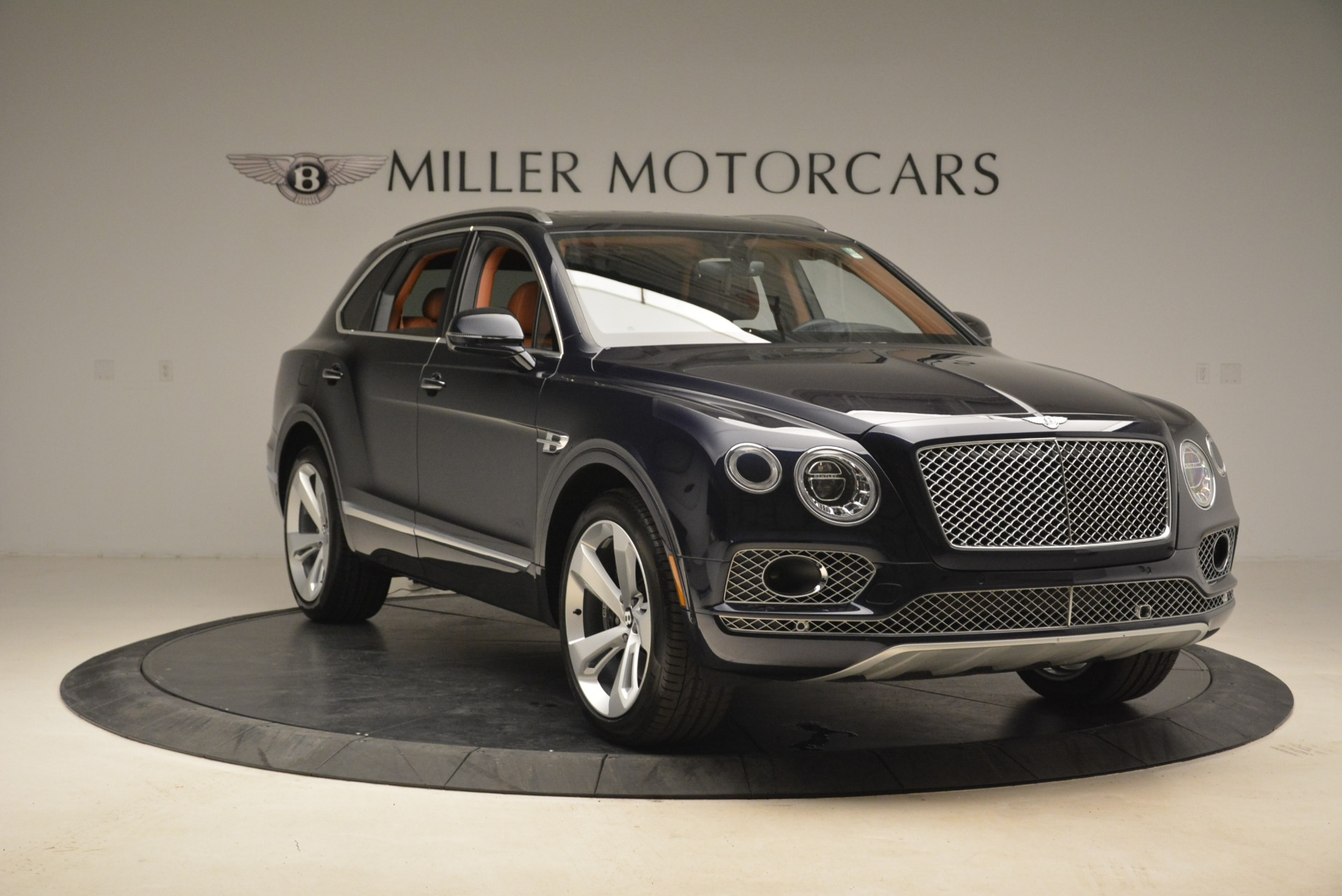 Used 2018 Bentley Bentayga W12 Signature For Sale In Greenwich, CT 2165_p11