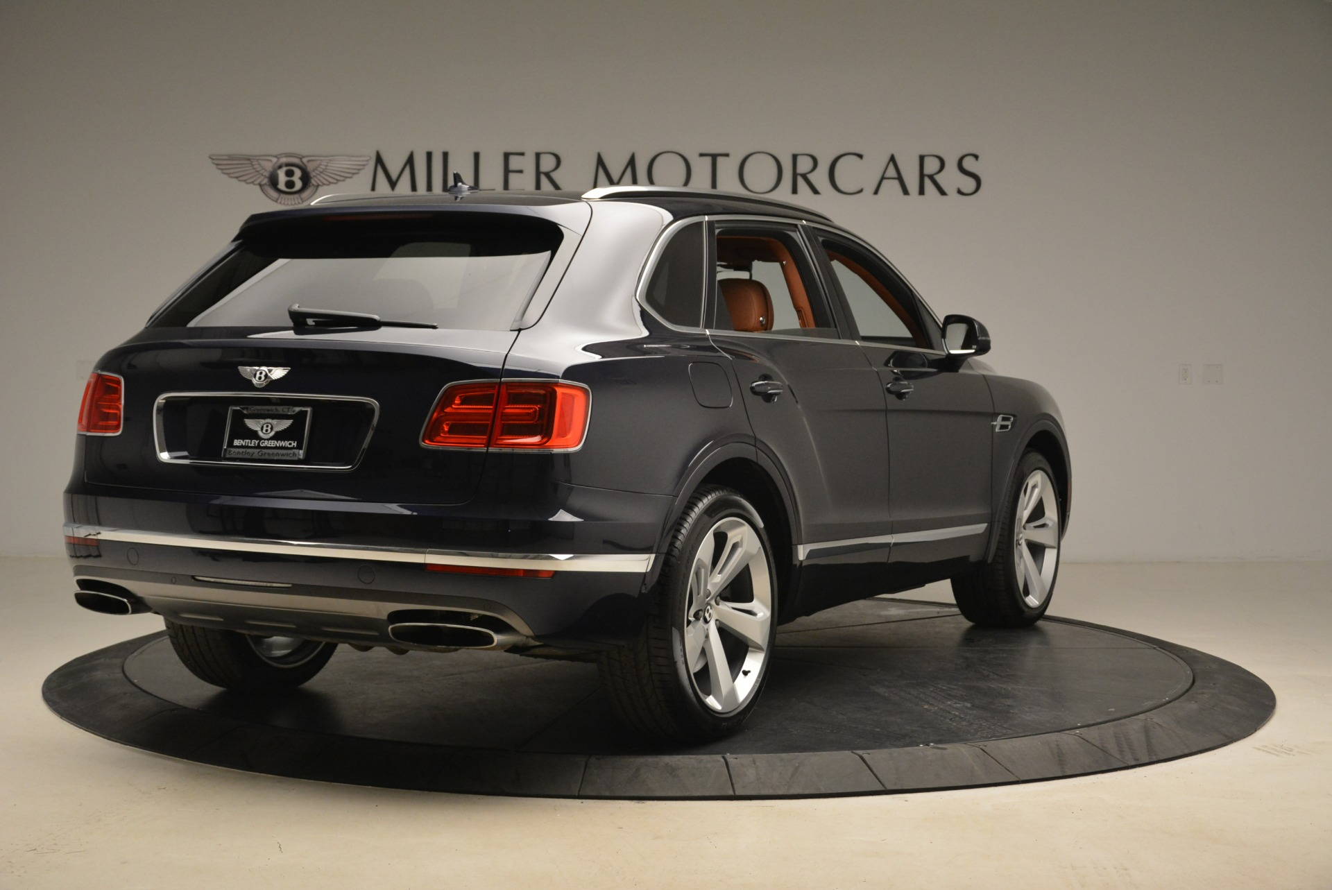 Used 2018 Bentley Bentayga W12 Signature For Sale In Greenwich, CT 2165_p7