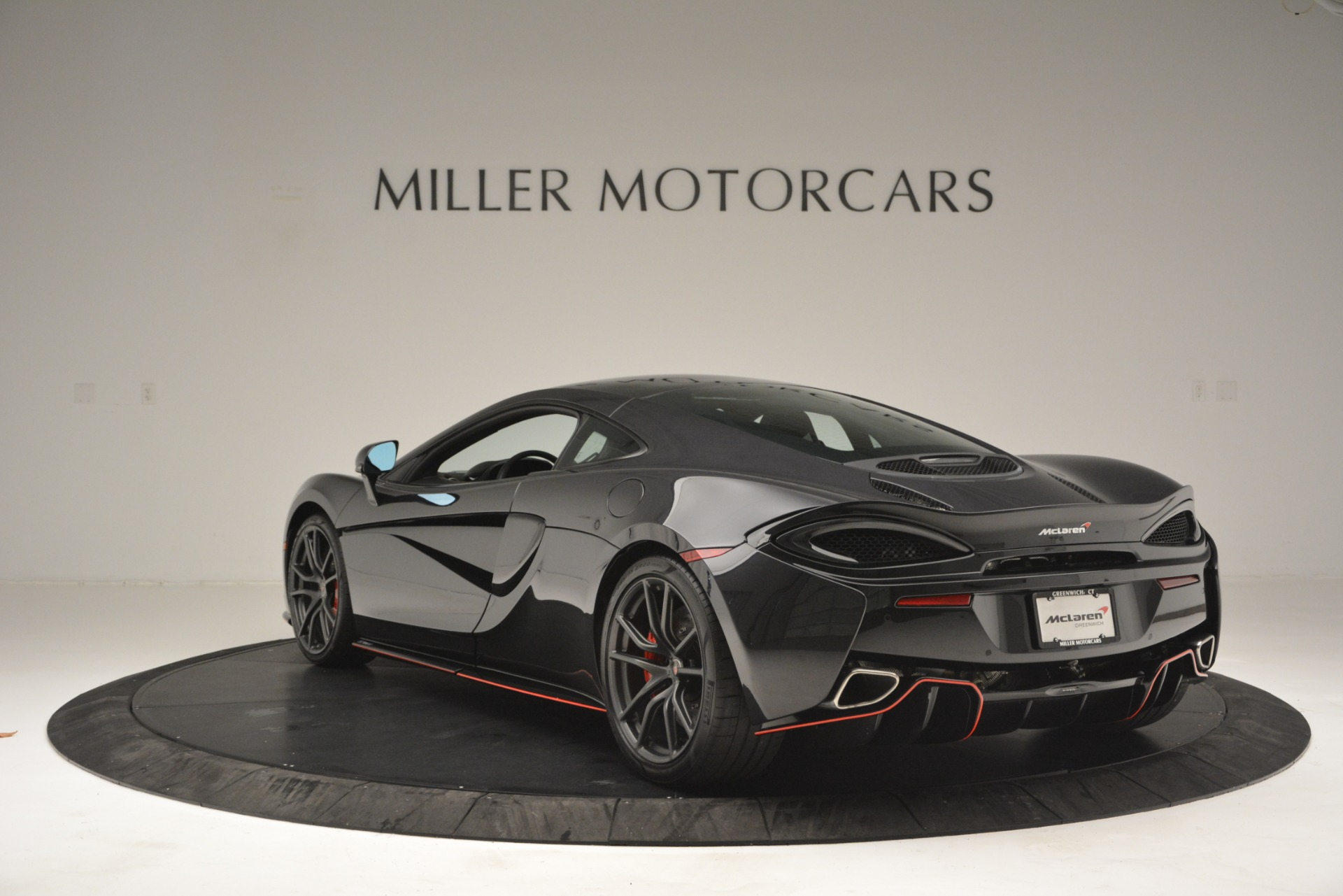 Used 2018 McLaren 570GT  For Sale In Greenwich, CT 2166_p5