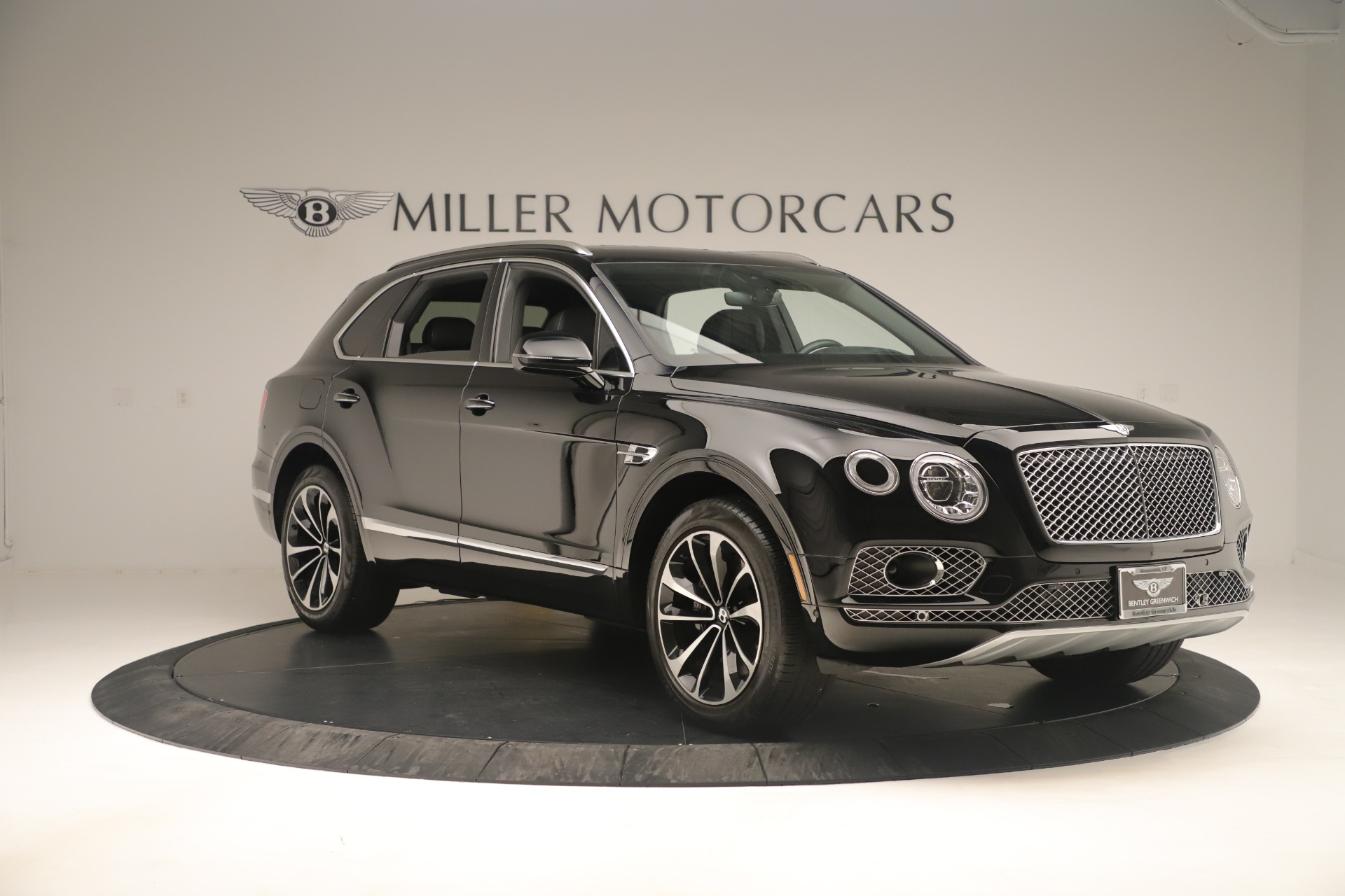 Used 2018 Bentley Bentayga W12 Signature For Sale In Greenwich, CT 2167_p11