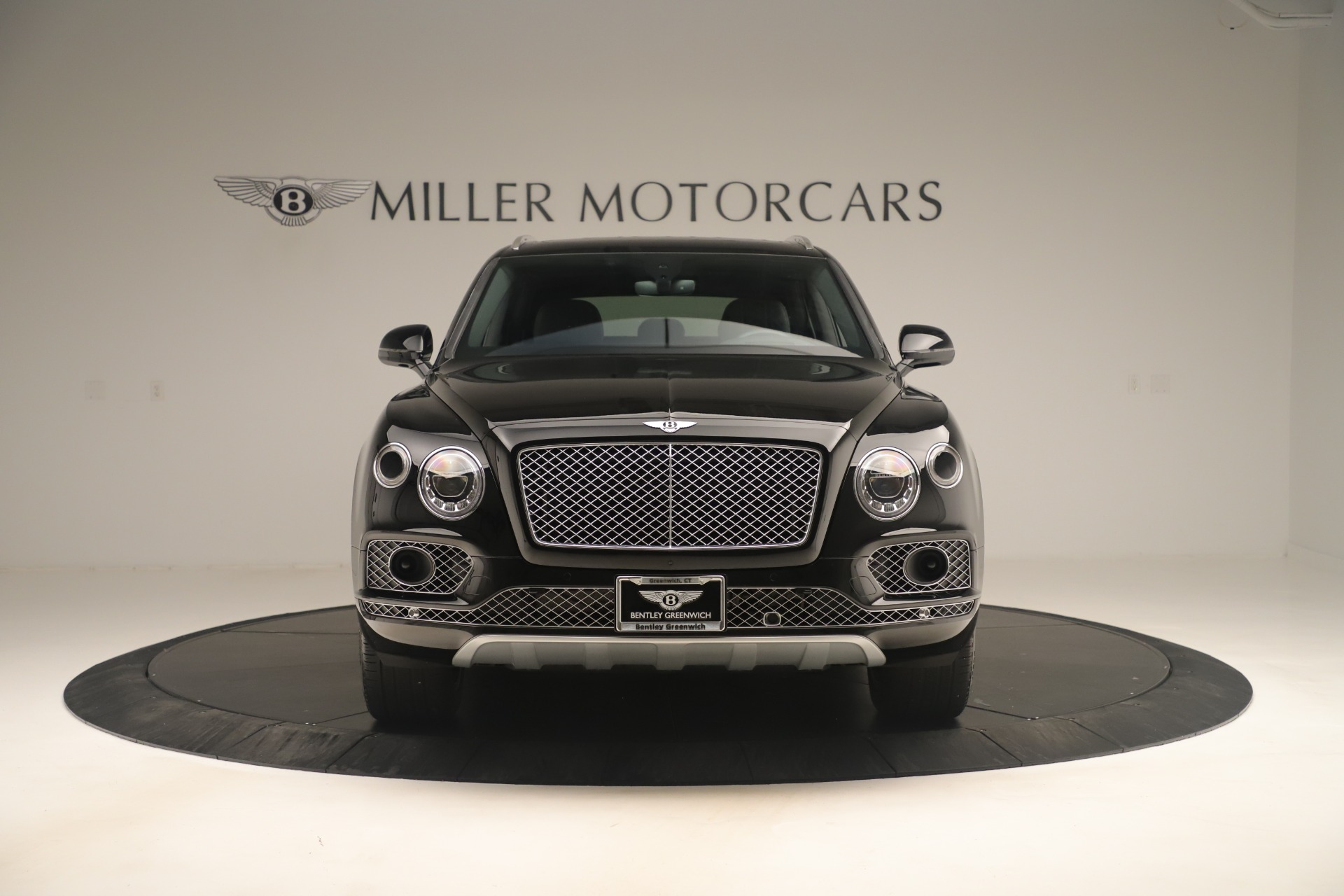 Used 2018 Bentley Bentayga W12 Signature For Sale In Greenwich, CT 2167_p12