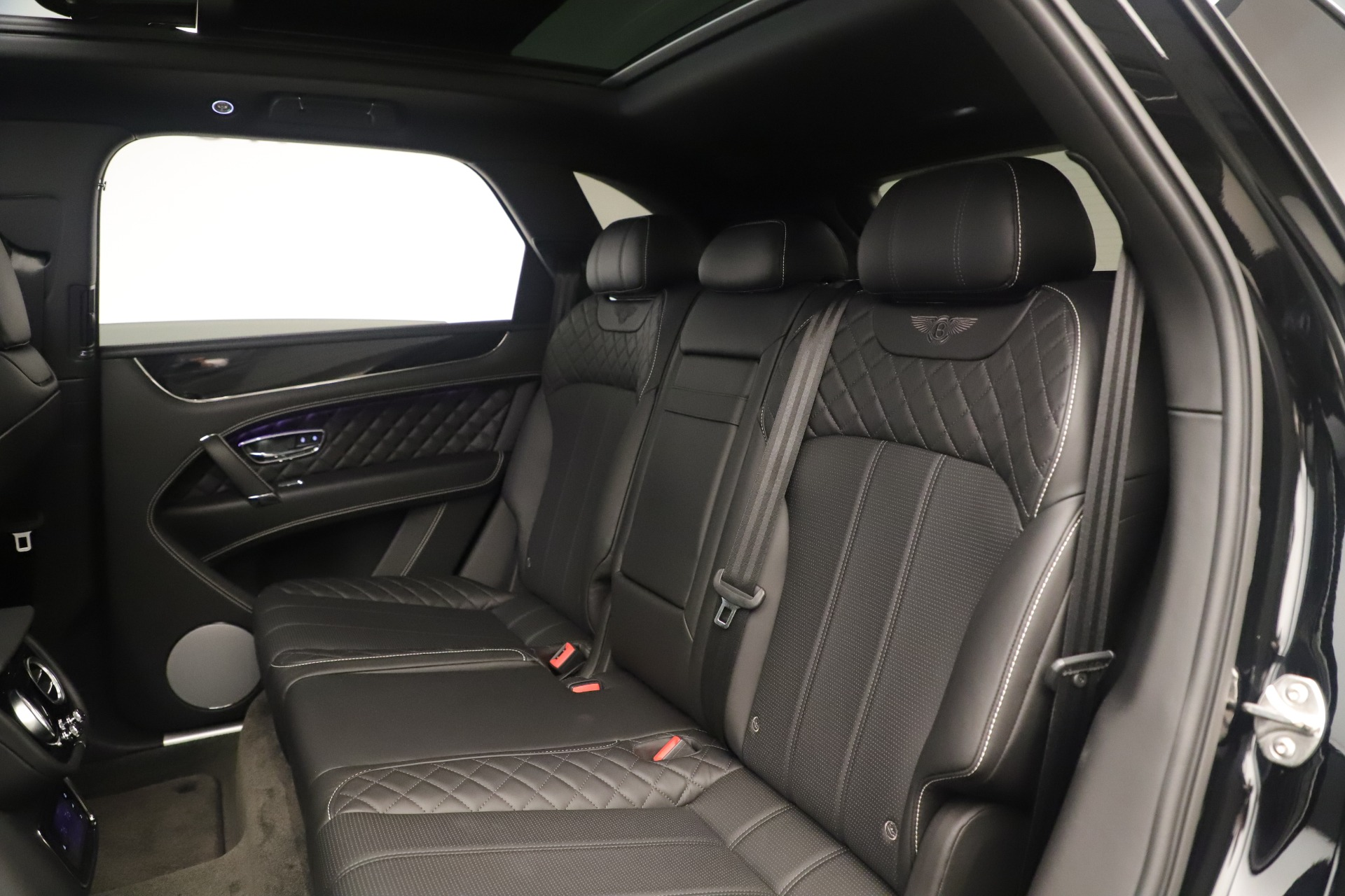 Used 2018 Bentley Bentayga W12 Signature For Sale In Greenwich, CT 2167_p22