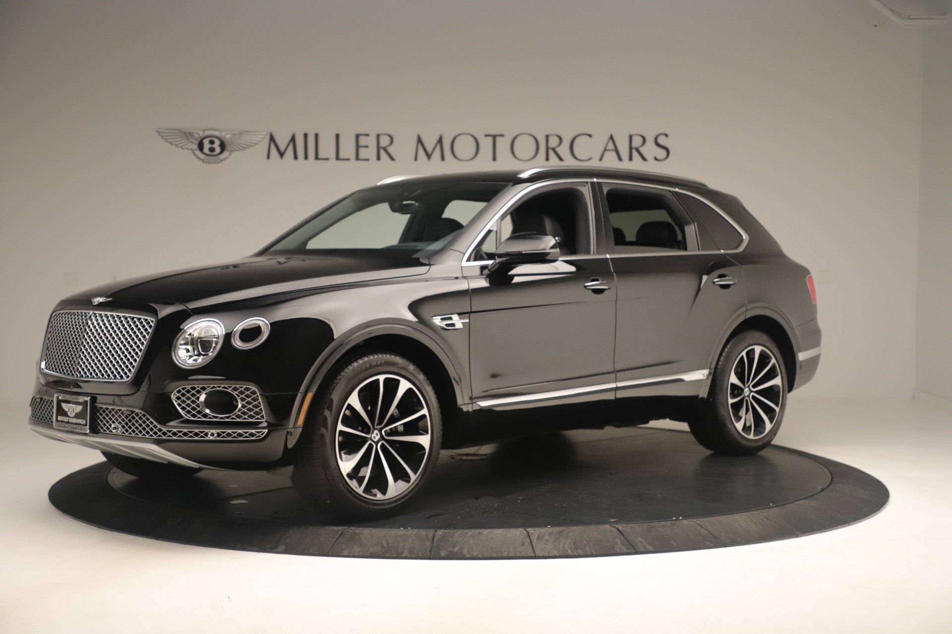 Used 2018 Bentley Bentayga W12 Signature For Sale In Greenwich, CT 2167_p2