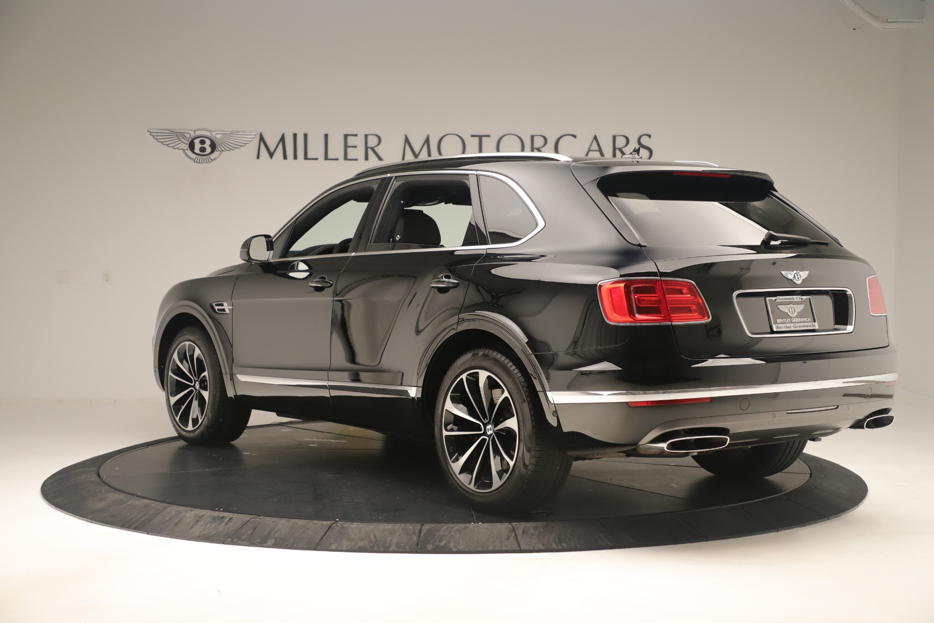 Used 2018 Bentley Bentayga W12 Signature For Sale In Greenwich, CT 2167_p5