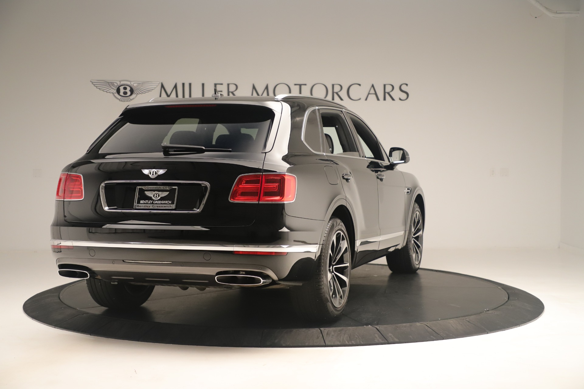 Used 2018 Bentley Bentayga W12 Signature For Sale In Greenwich, CT 2167_p7
