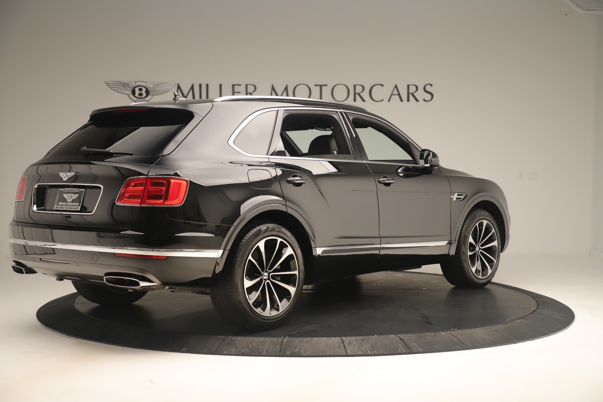 Used 2018 Bentley Bentayga W12 Signature For Sale In Greenwich, CT 2167_p8