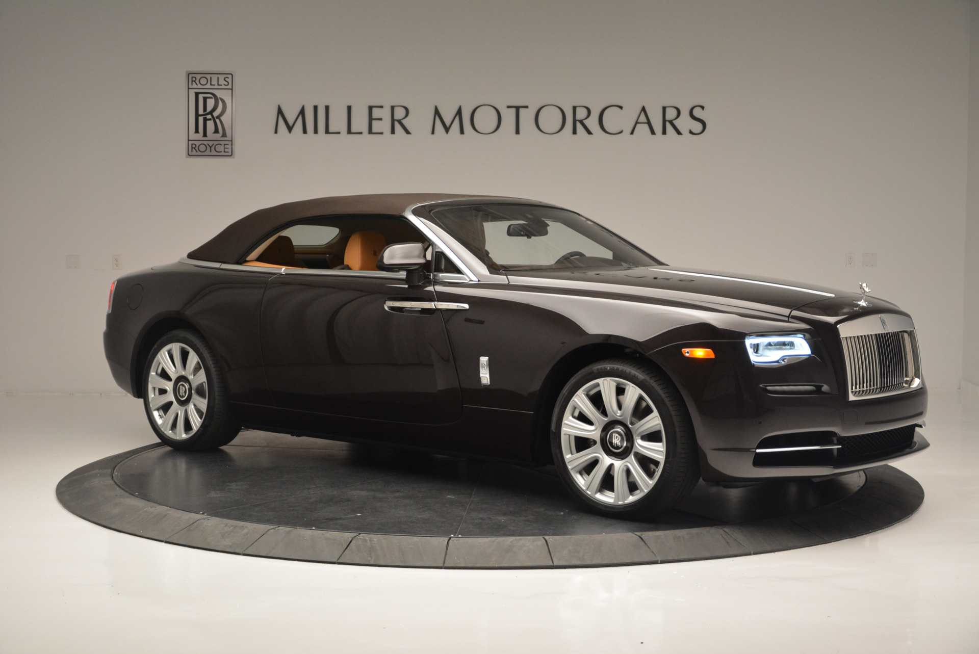 Used 2018 Rolls-Royce Dawn  For Sale In Greenwich, CT 2178_p15