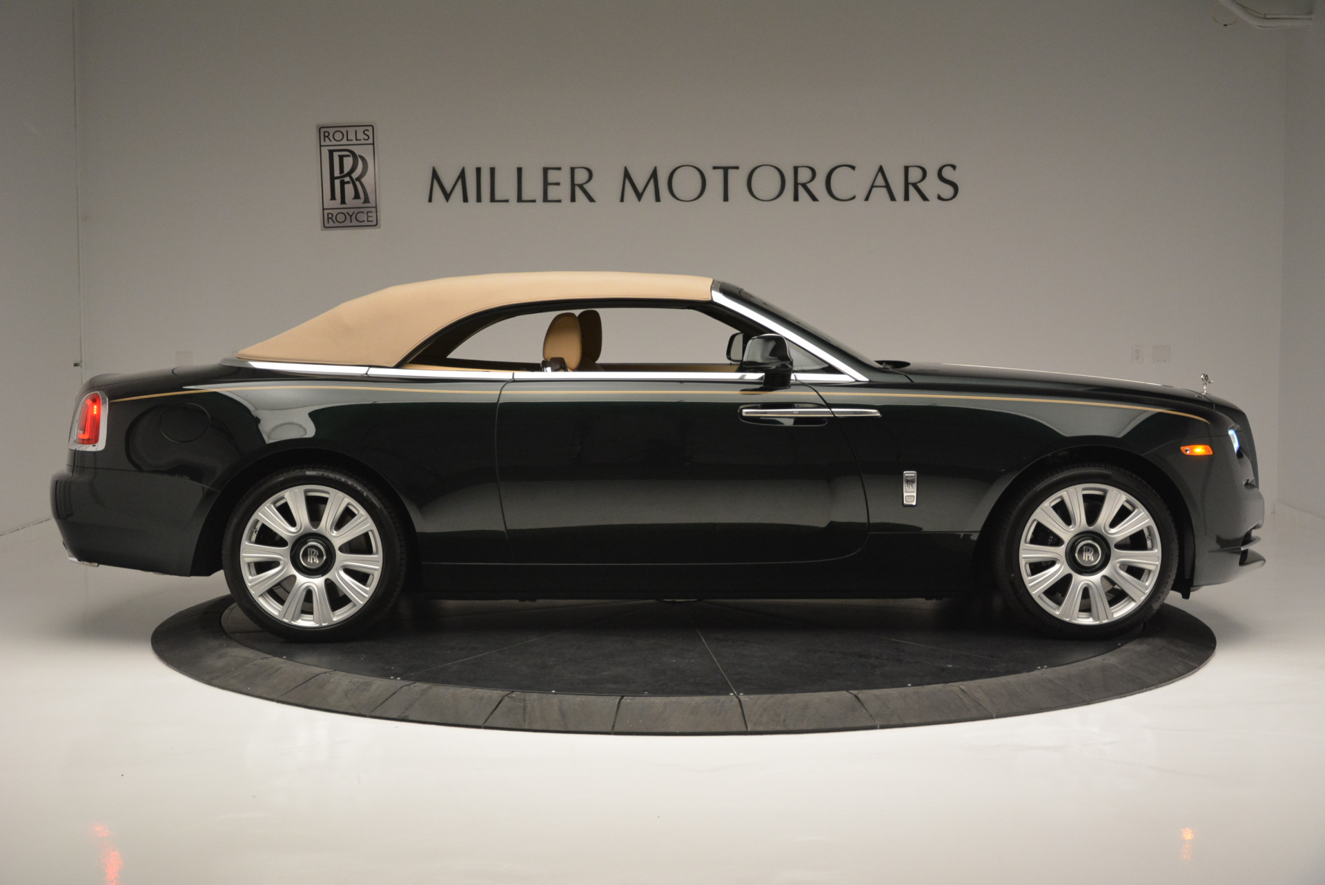 Used 2018 Rolls-Royce Dawn  For Sale In Greenwich, CT 2179_p15