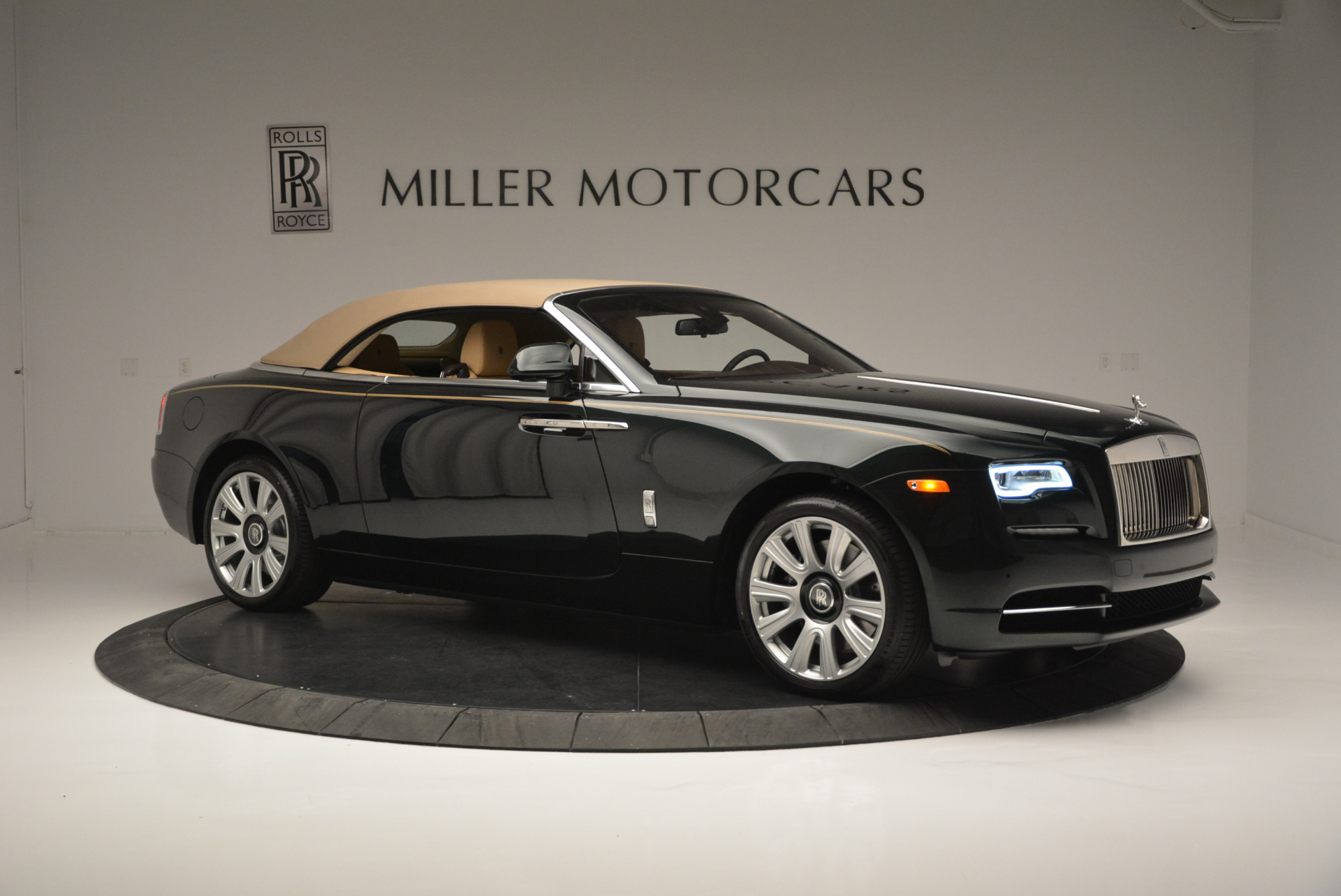 Used 2018 Rolls-Royce Dawn  For Sale In Greenwich, CT 2179_p16