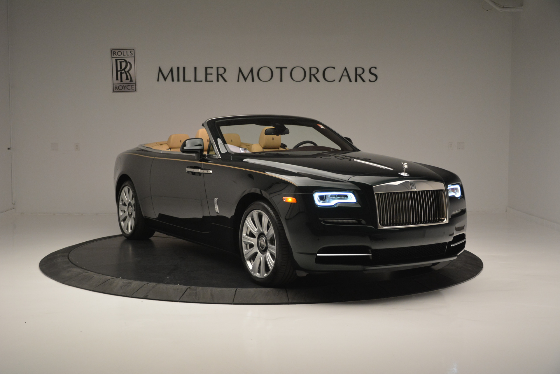 Used 2018 Rolls-Royce Dawn  For Sale In Greenwich, CT 2179_p7