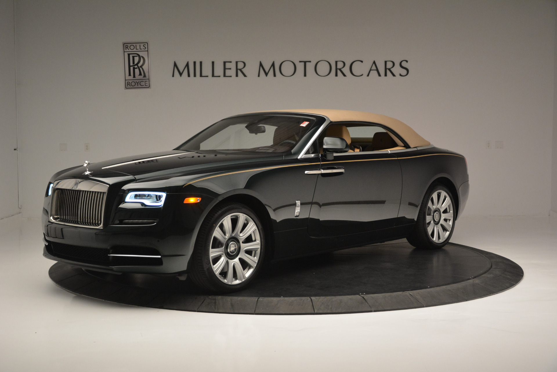 Used 2018 Rolls-Royce Dawn  For Sale In Greenwich, CT 2179_p9