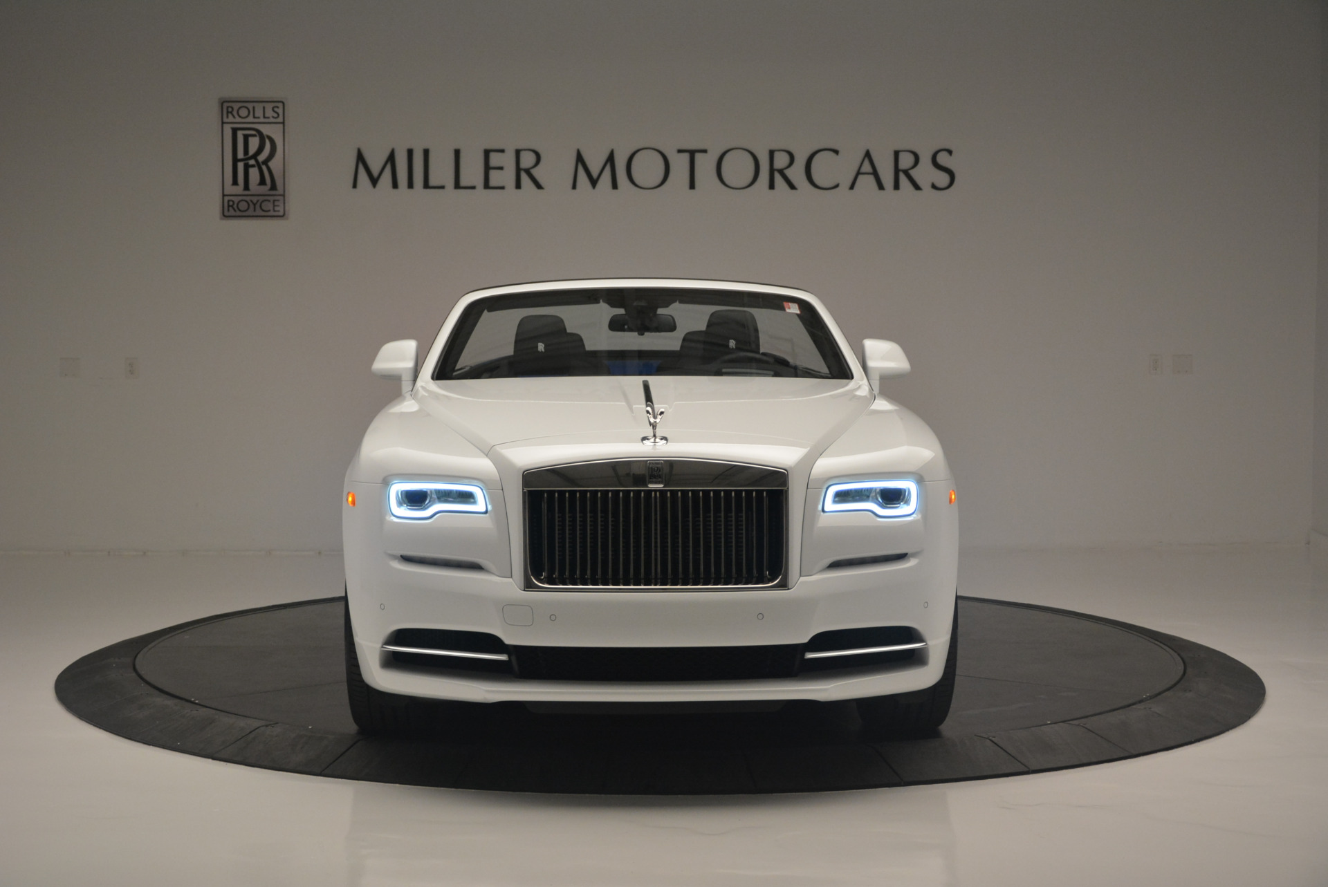Used 2018 Rolls-Royce Dawn  For Sale In Greenwich, CT 2181_p8