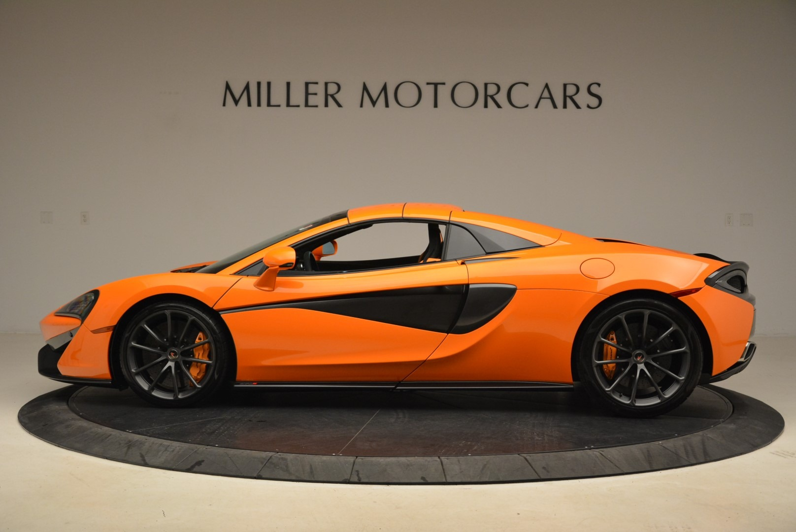 Used 2018 McLaren 570S Spider Convertible For Sale In Greenwich, CT 2188_p16