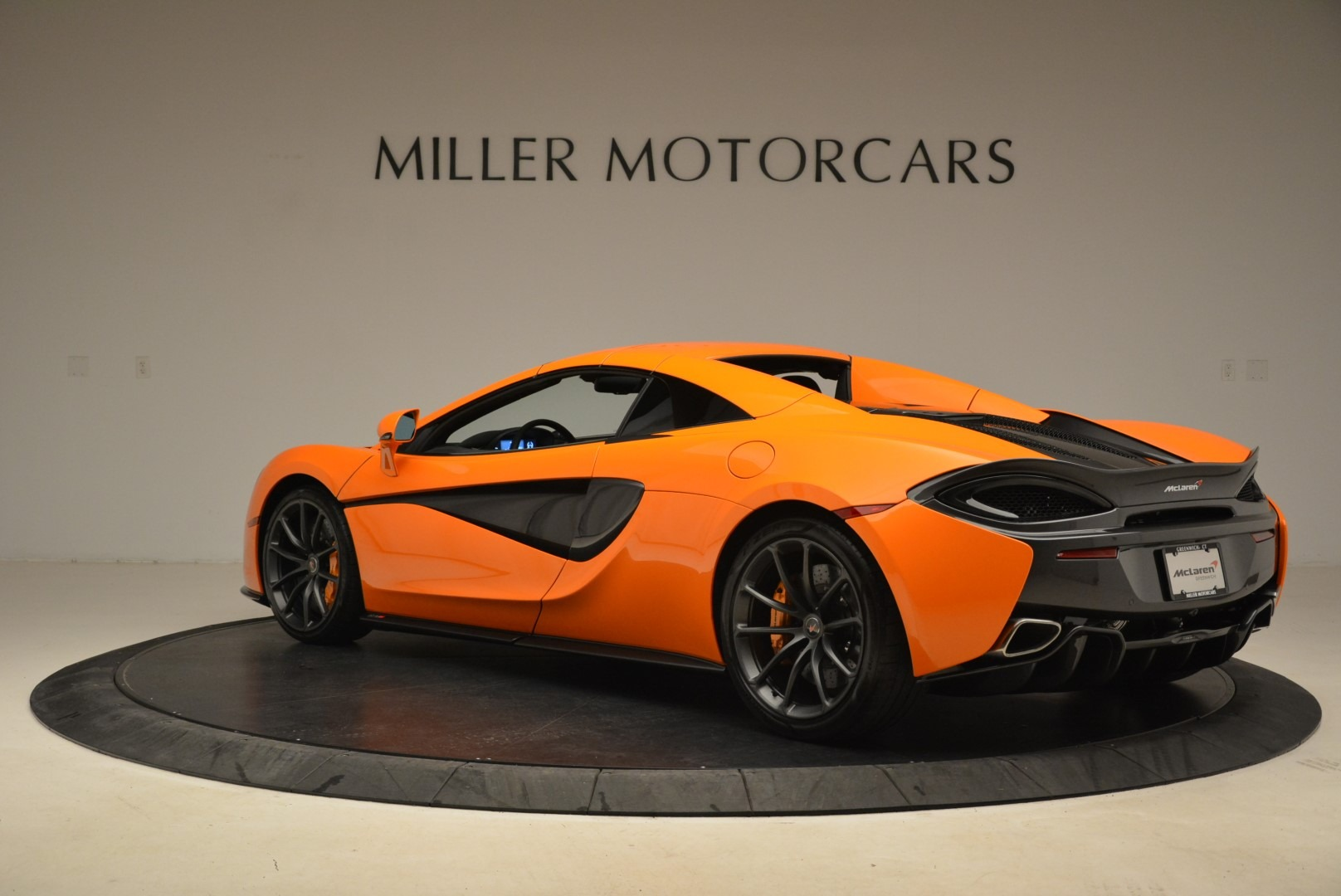 Used 2018 McLaren 570S Spider Convertible For Sale In Greenwich, CT 2188_p17