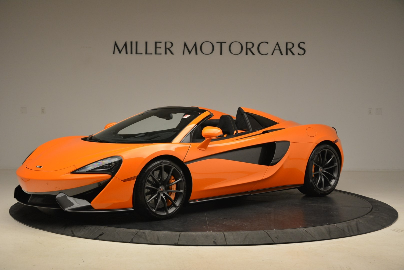 Used 2018 McLaren 570S Spider Convertible For Sale In Greenwich, CT 2188_p2