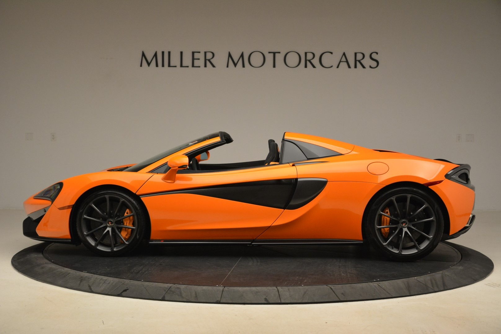 Used 2018 McLaren 570S Spider Convertible For Sale In Greenwich, CT 2188_p3