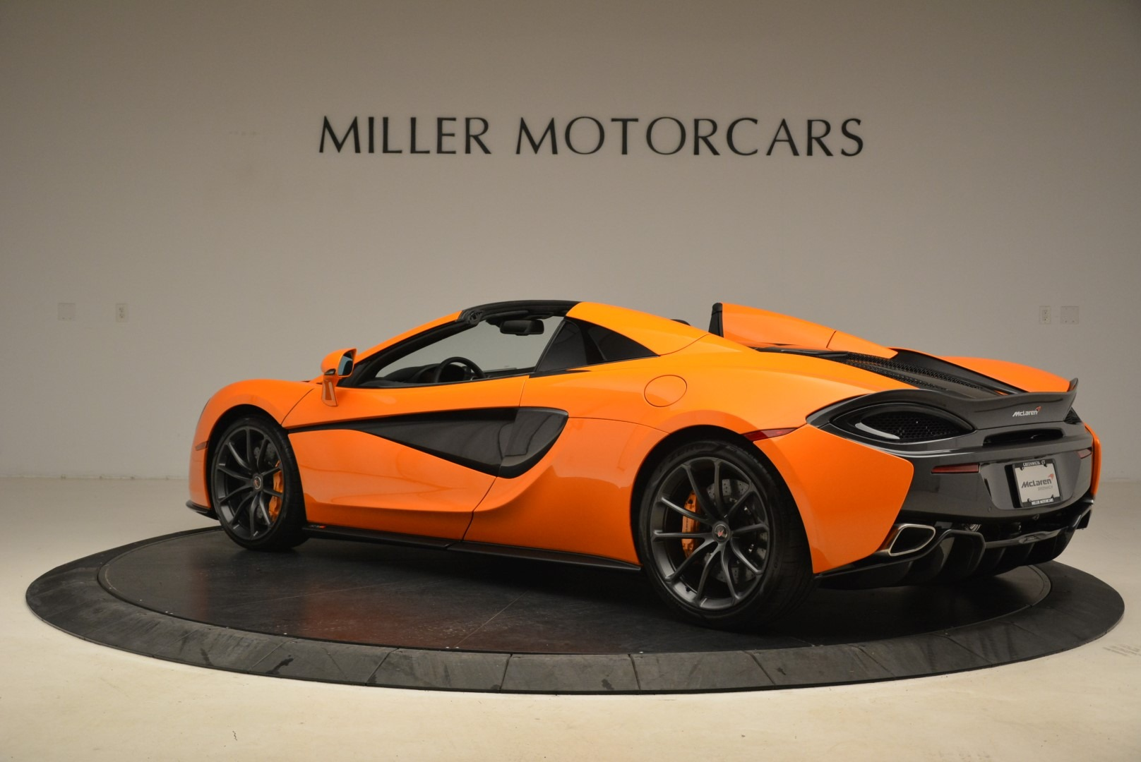 Used 2018 McLaren 570S Spider Convertible For Sale In Greenwich, CT 2188_p4