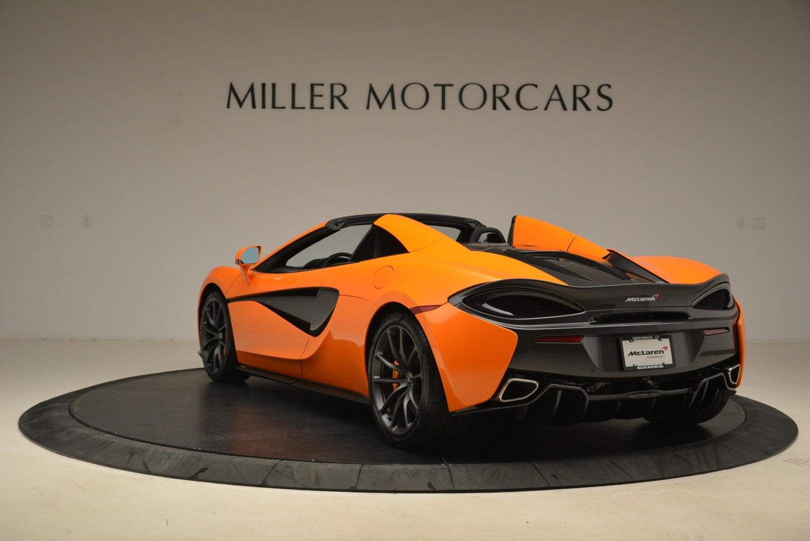 Used 2018 McLaren 570S Spider Convertible For Sale In Greenwich, CT 2188_p5