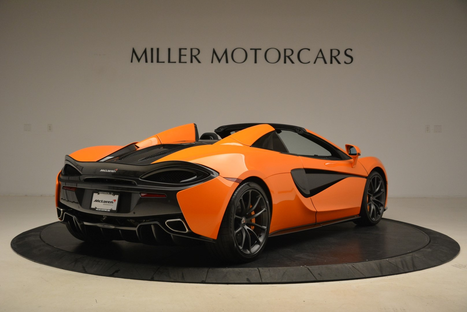 Used 2018 McLaren 570S Spider Convertible For Sale In Greenwich, CT 2188_p7