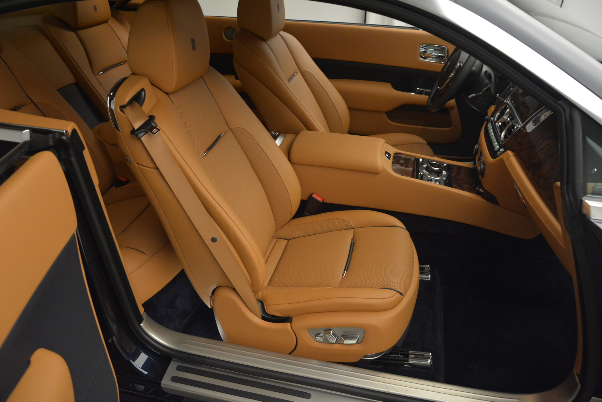Used 2016 Rolls-Royce Wraith  For Sale In Greenwich, CT 219_p20